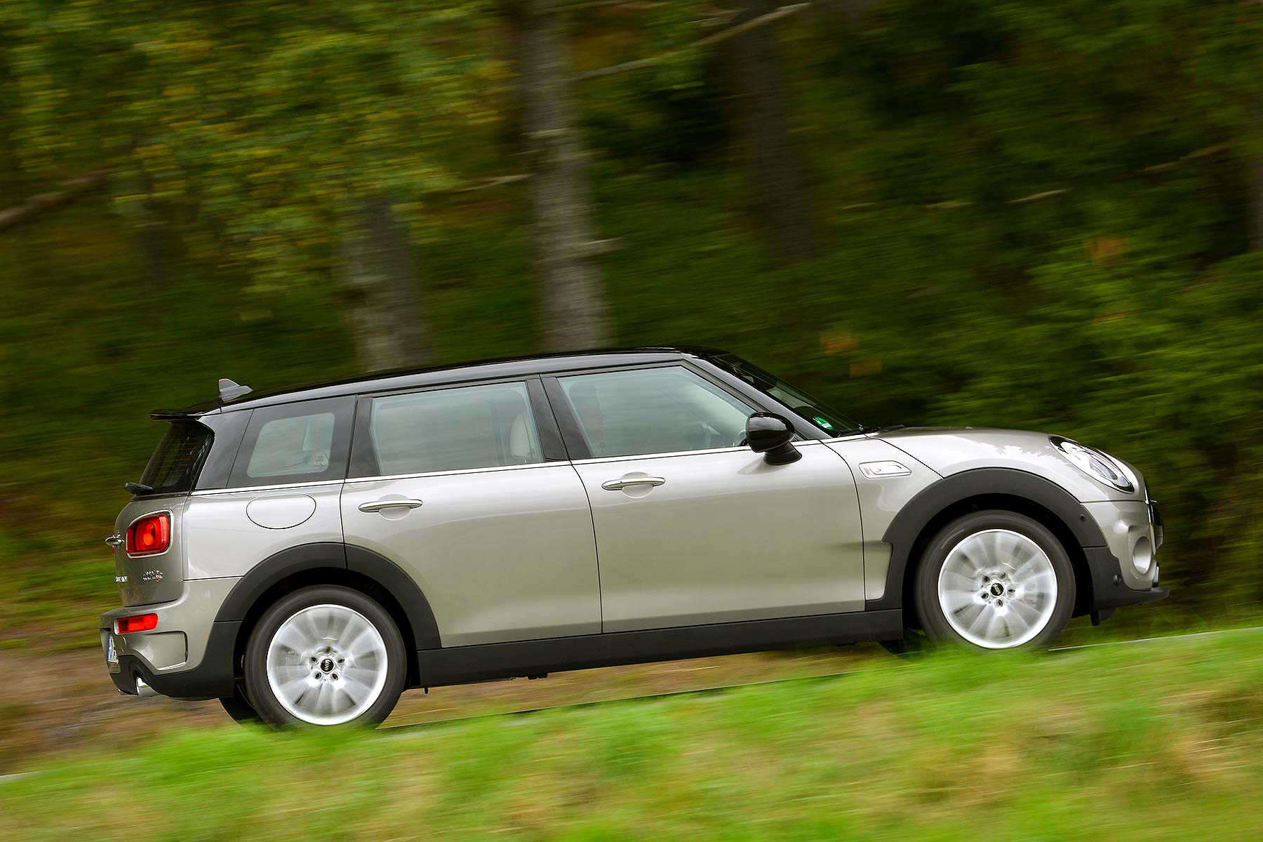 mini clubman review 2015 first drive motoring research. Black Bedroom Furniture Sets. Home Design Ideas