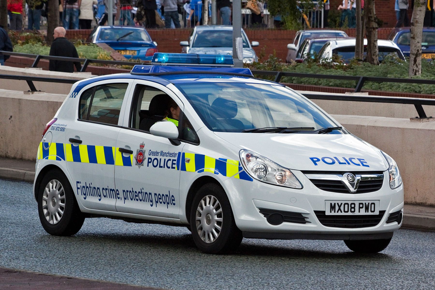 Police forced to respond to 999 calls without sirens