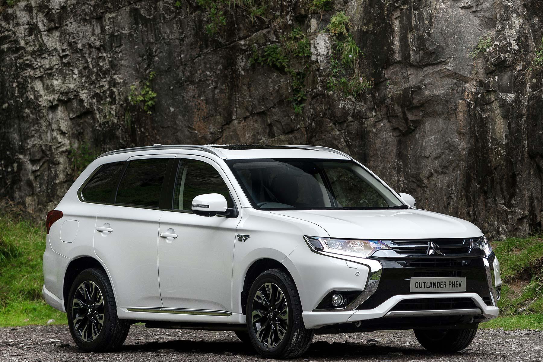 2016 Mitsubishi Outlander PHEV Review: UK First Drive