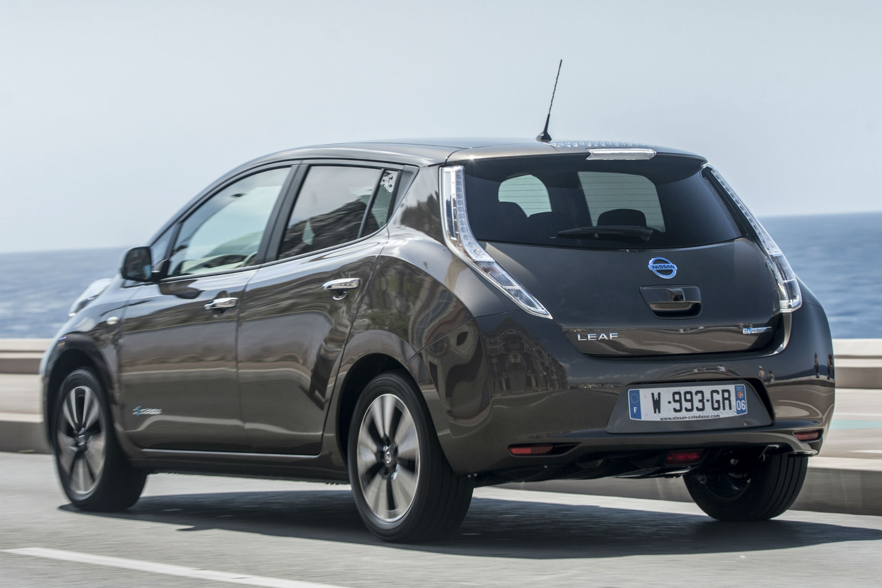 2015 Nissan Leaf 30kWh review: On the road
