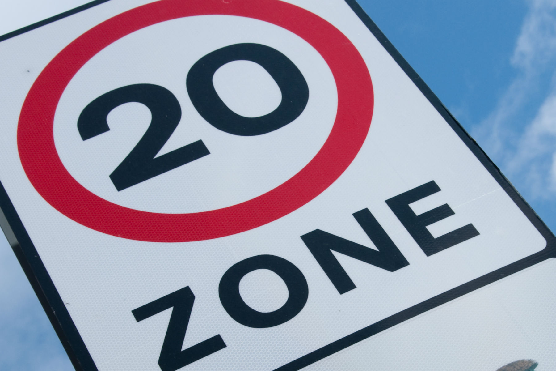 Calls for 20mph limits to reduce NOx emissions