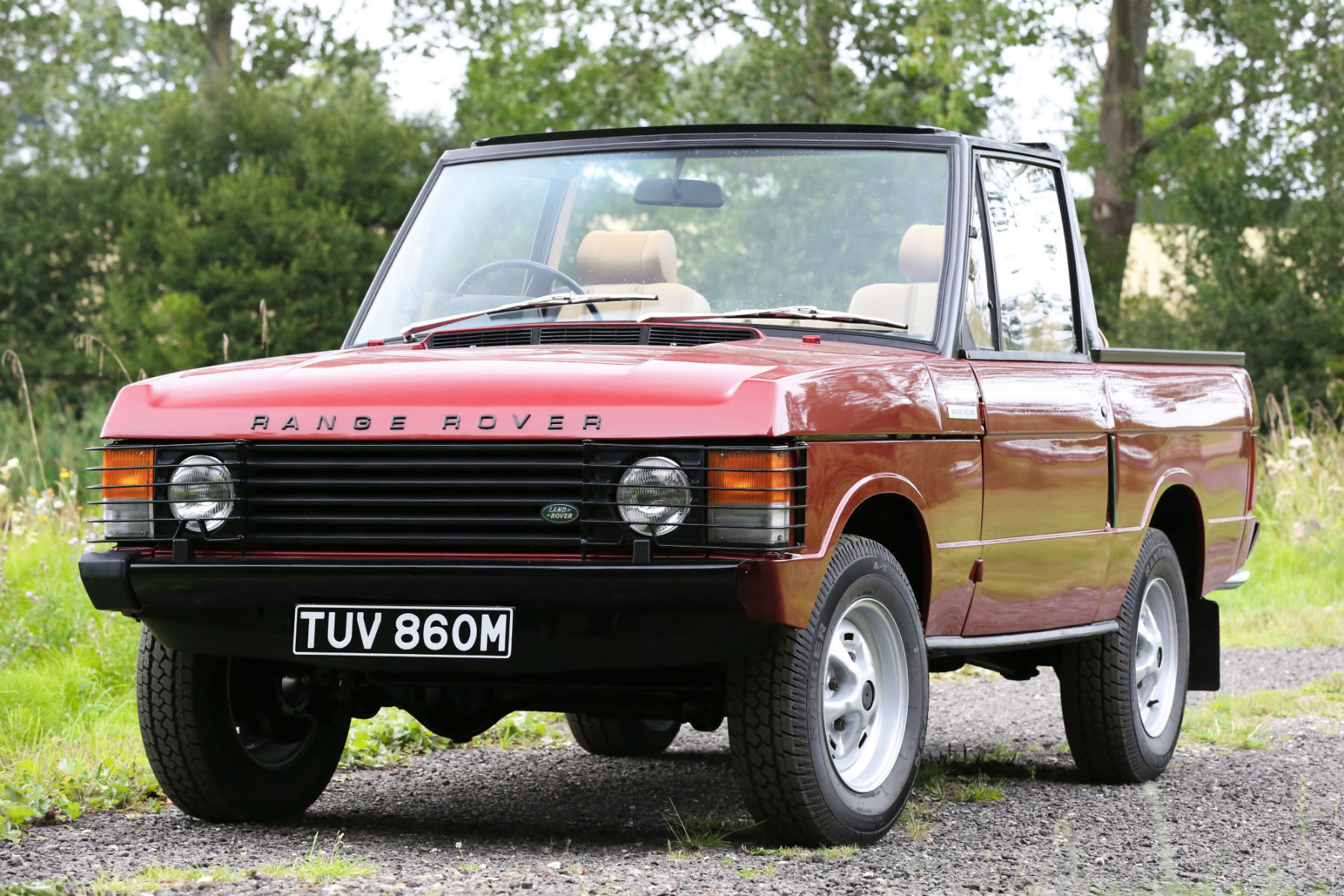 the perfect year round vehicle rare range rover convertible up for auction. Black Bedroom Furniture Sets. Home Design Ideas