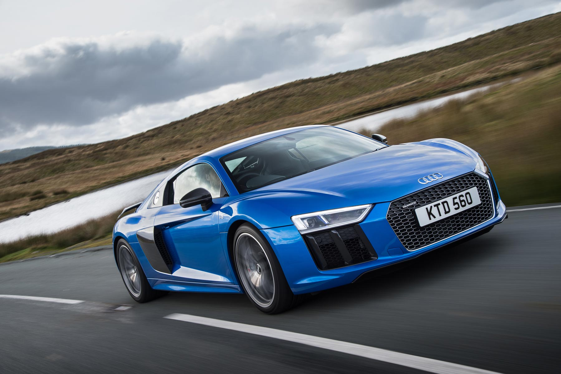 audi r8 v10 plus review 2015 first drive. Black Bedroom Furniture Sets. Home Design Ideas