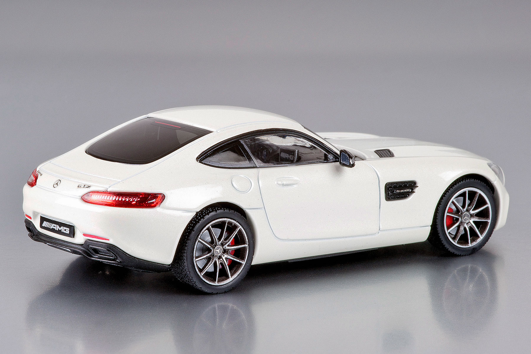Mercedes-Benz makes the best model cars