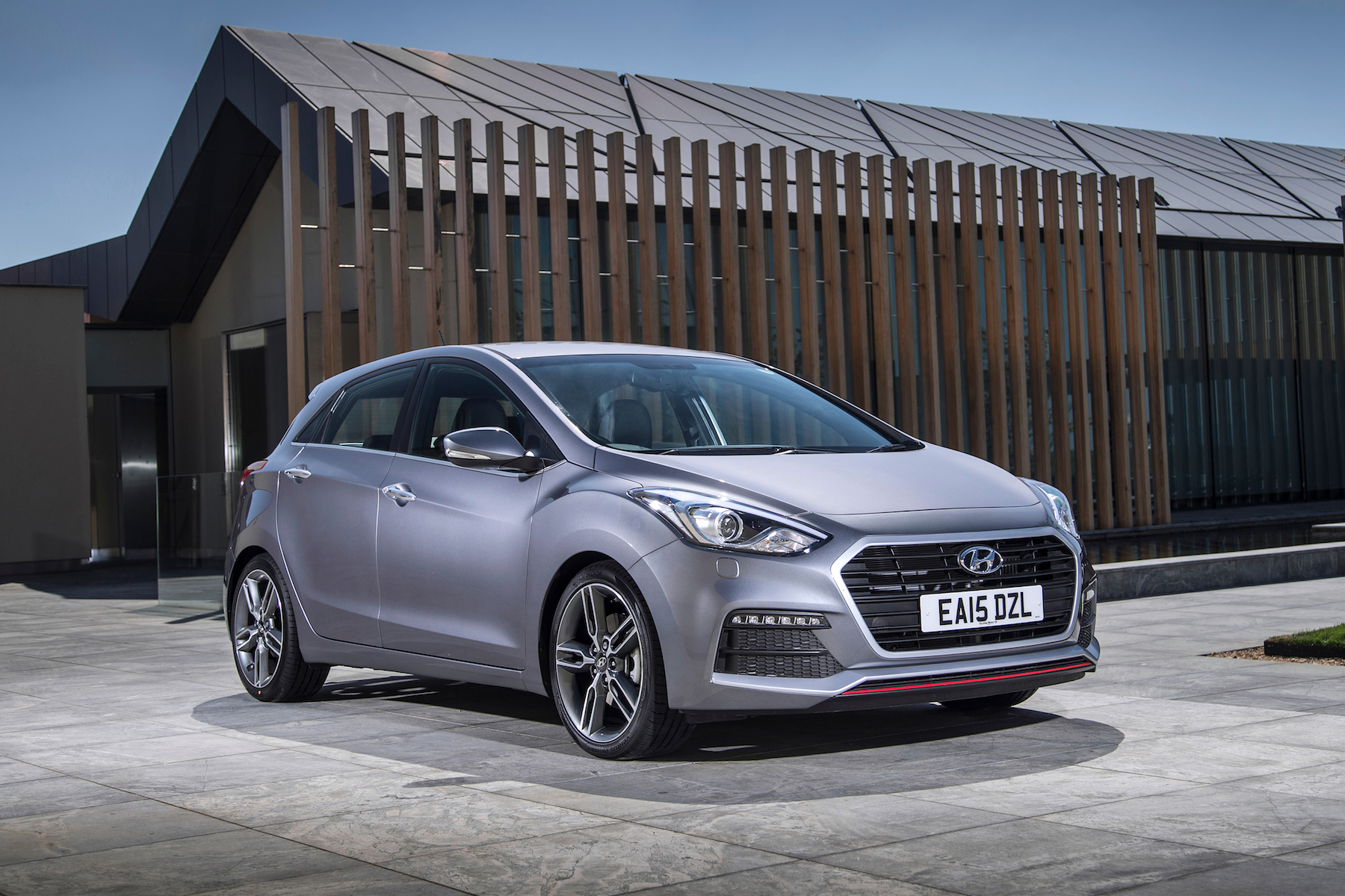 hyundai i30 turbo 2016 two minute road test motoring research. Black Bedroom Furniture Sets. Home Design Ideas