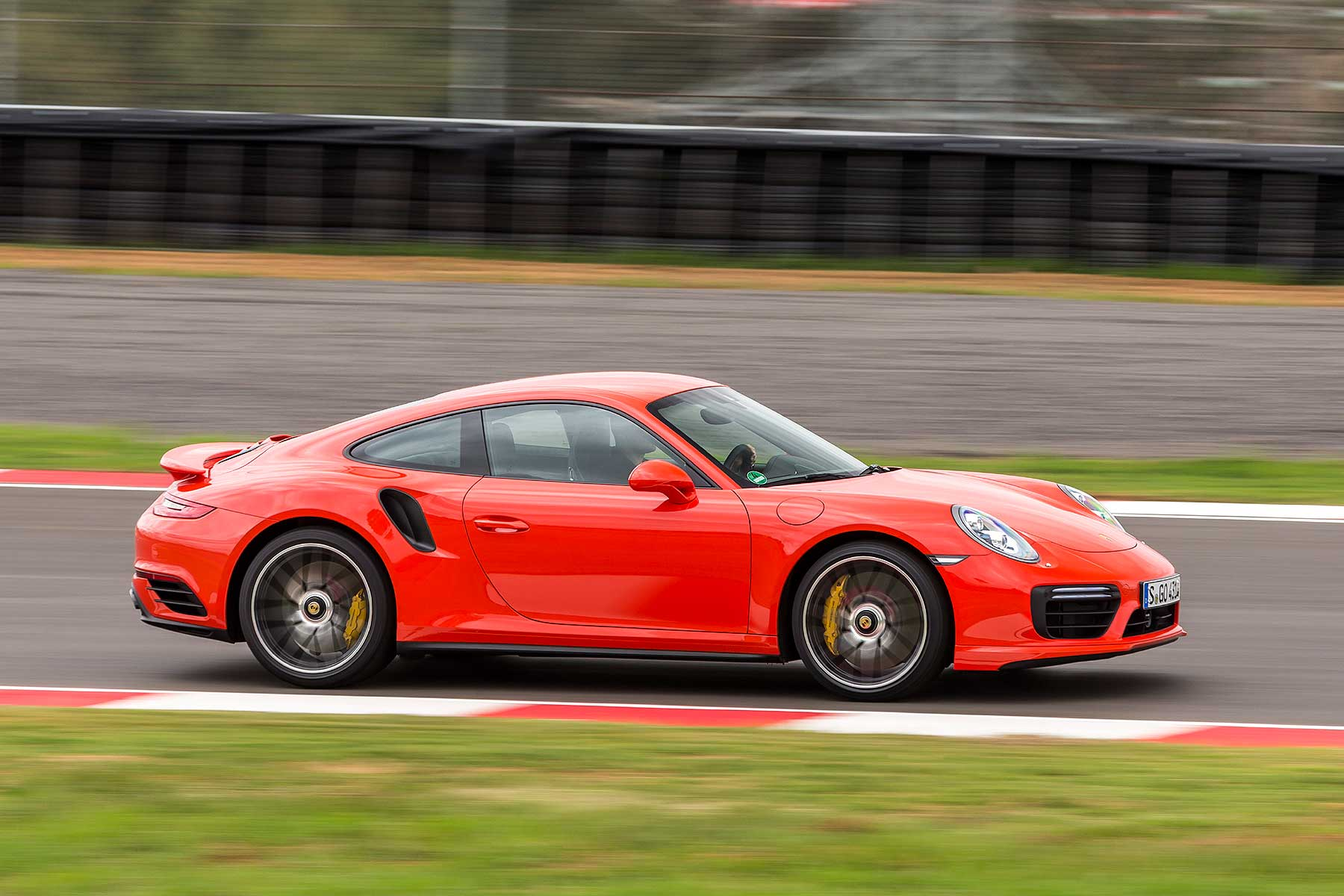 2016 porsche 911 turbo s review first drive motoring. Black Bedroom Furniture Sets. Home Design Ideas