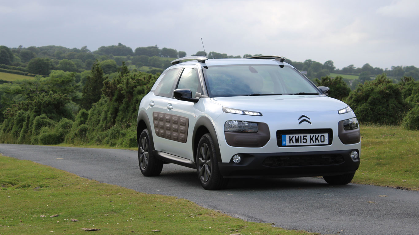 citroen c4 cactus feel bluehdi 100 two minute road test motoring research. Black Bedroom Furniture Sets. Home Design Ideas