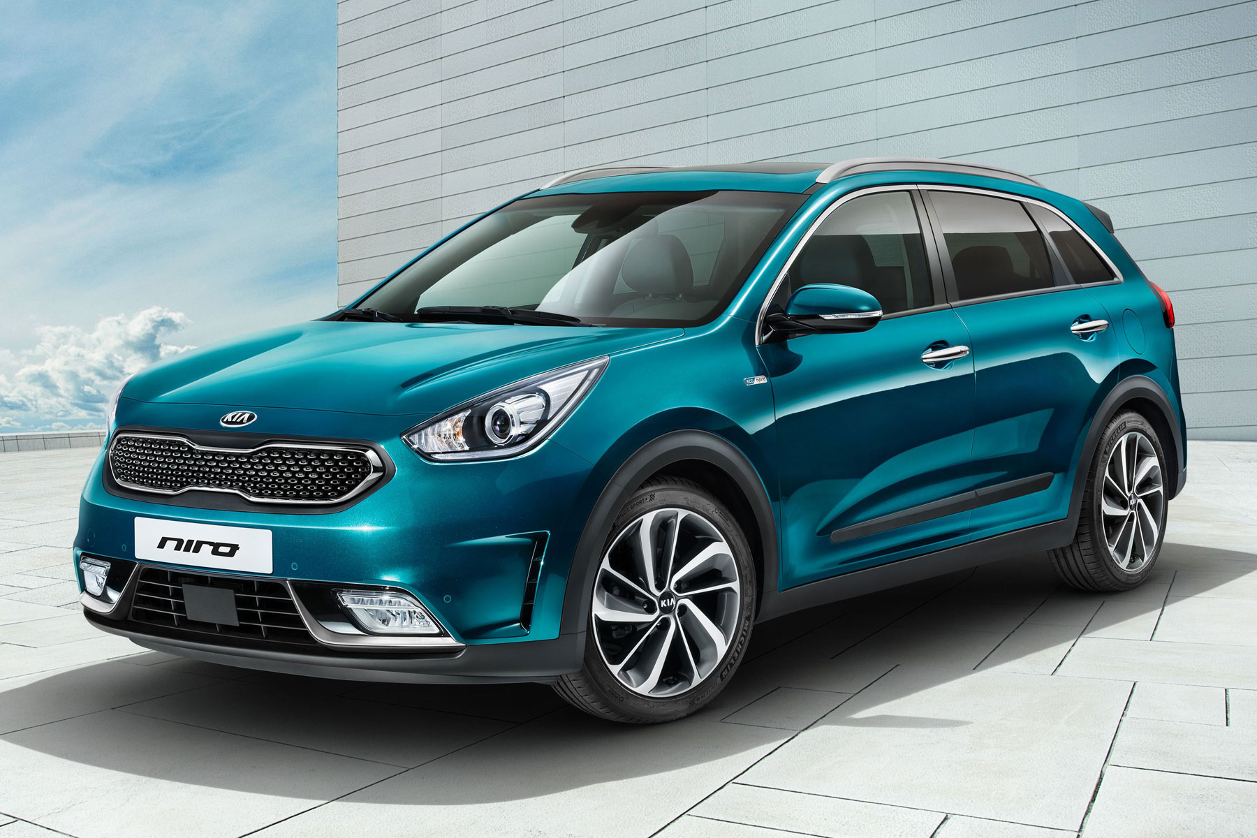Kia Niro Heading To Geneva Is It The Crossover Make Hybrids Trendy