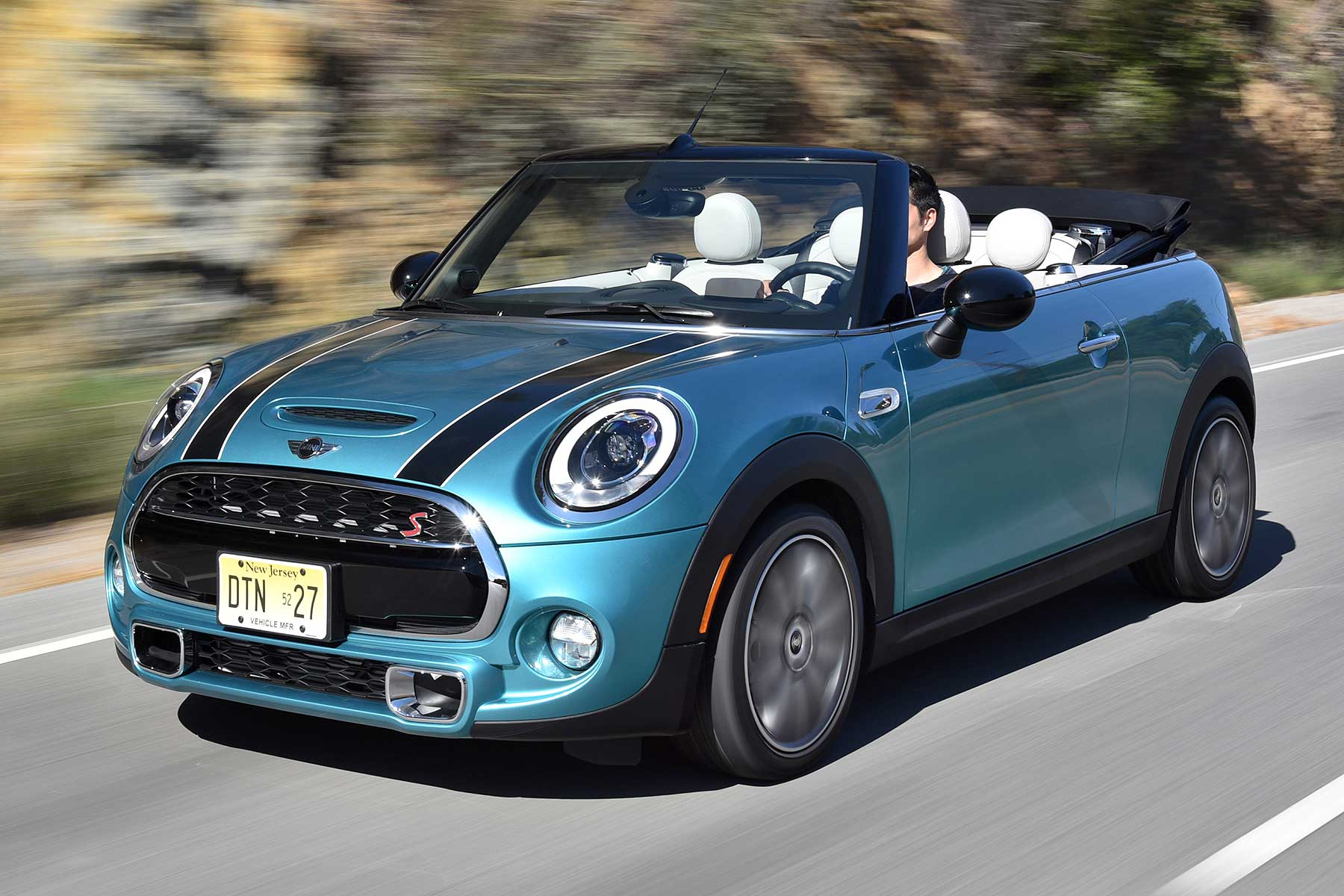 mini cooper s convertible 2016 motoring researchmotoring research. Black Bedroom Furniture Sets. Home Design Ideas