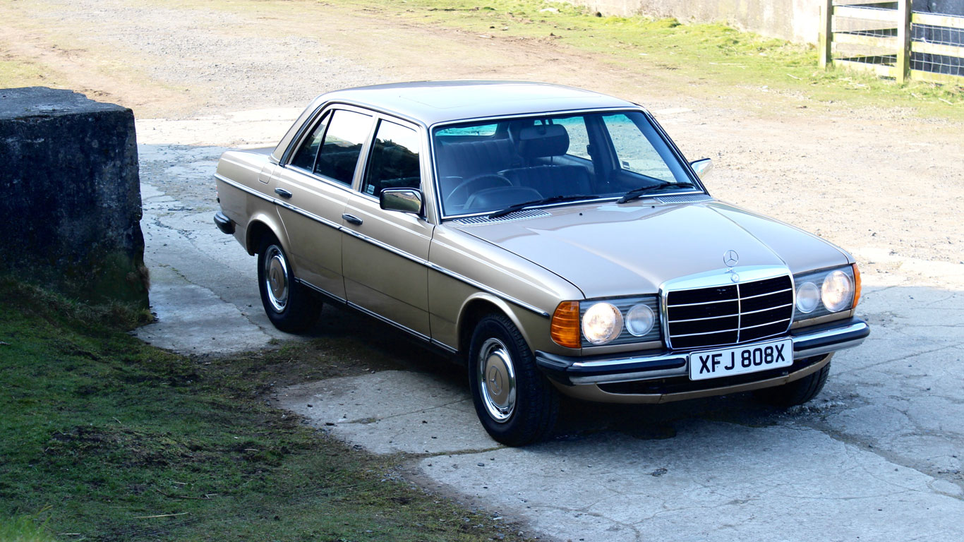 Mercedes benz w123 retro road test motoring research for Mercedes benz company history
