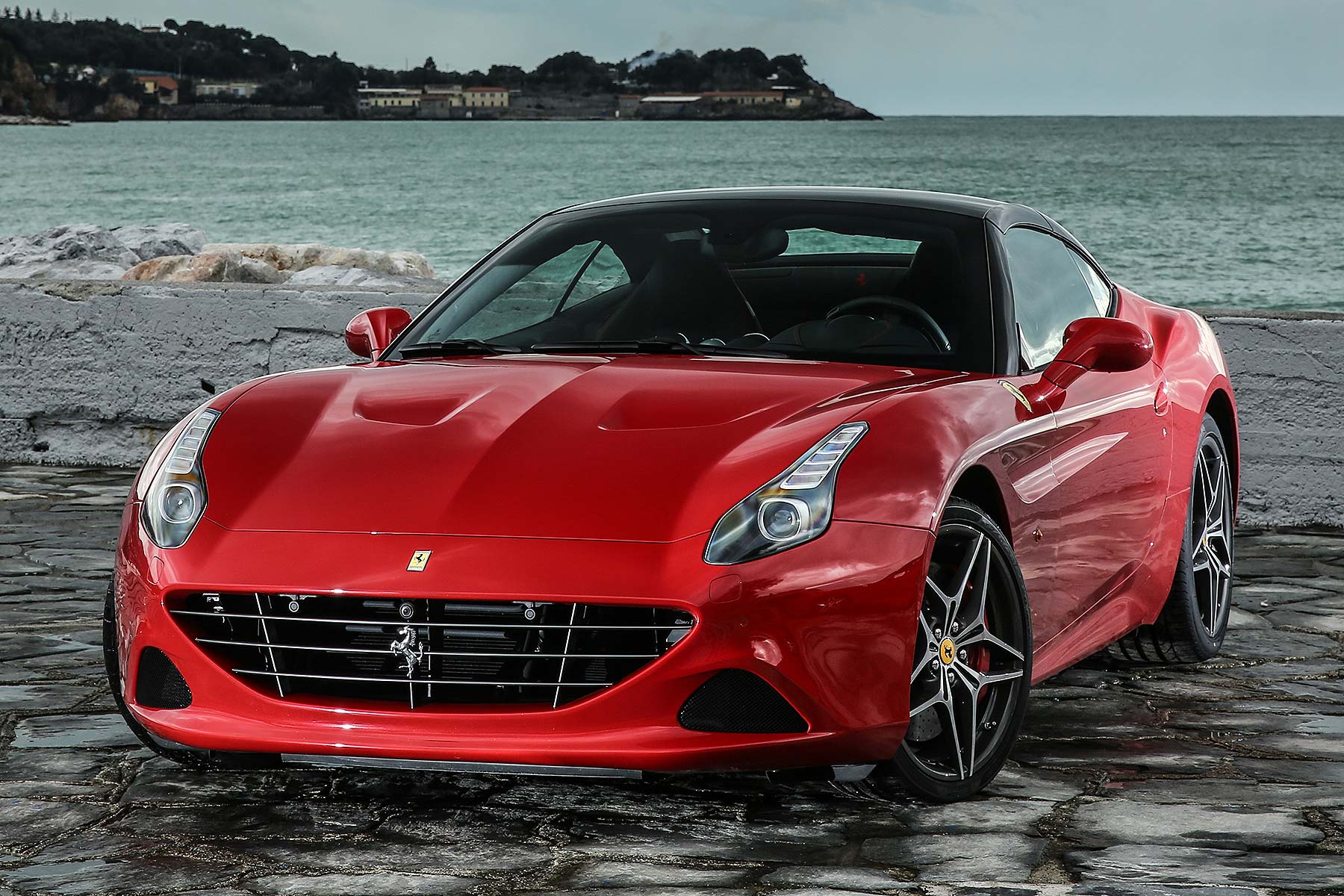 2016 ferrari california t handling speciale review first drive motoring research. Black Bedroom Furniture Sets. Home Design Ideas