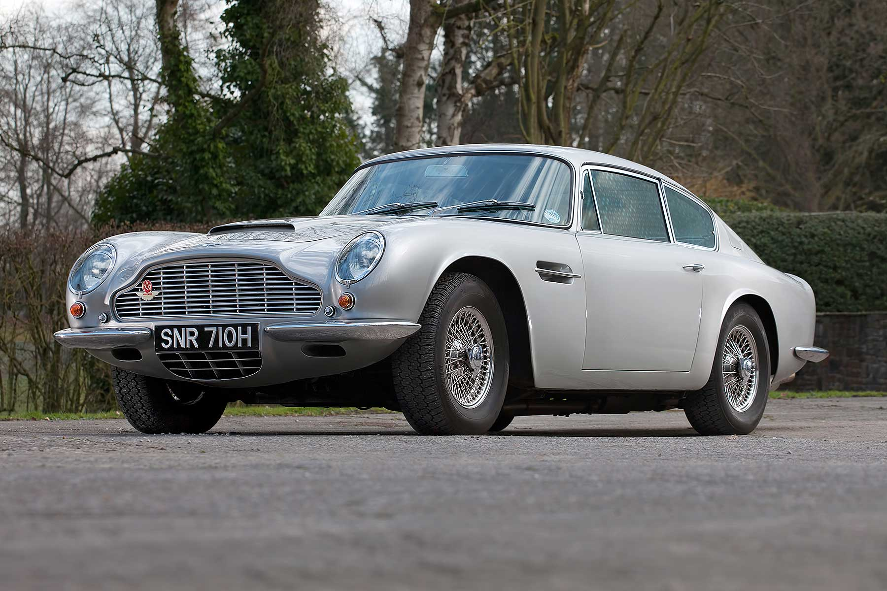 Aston Martin DB6 Mark 2
