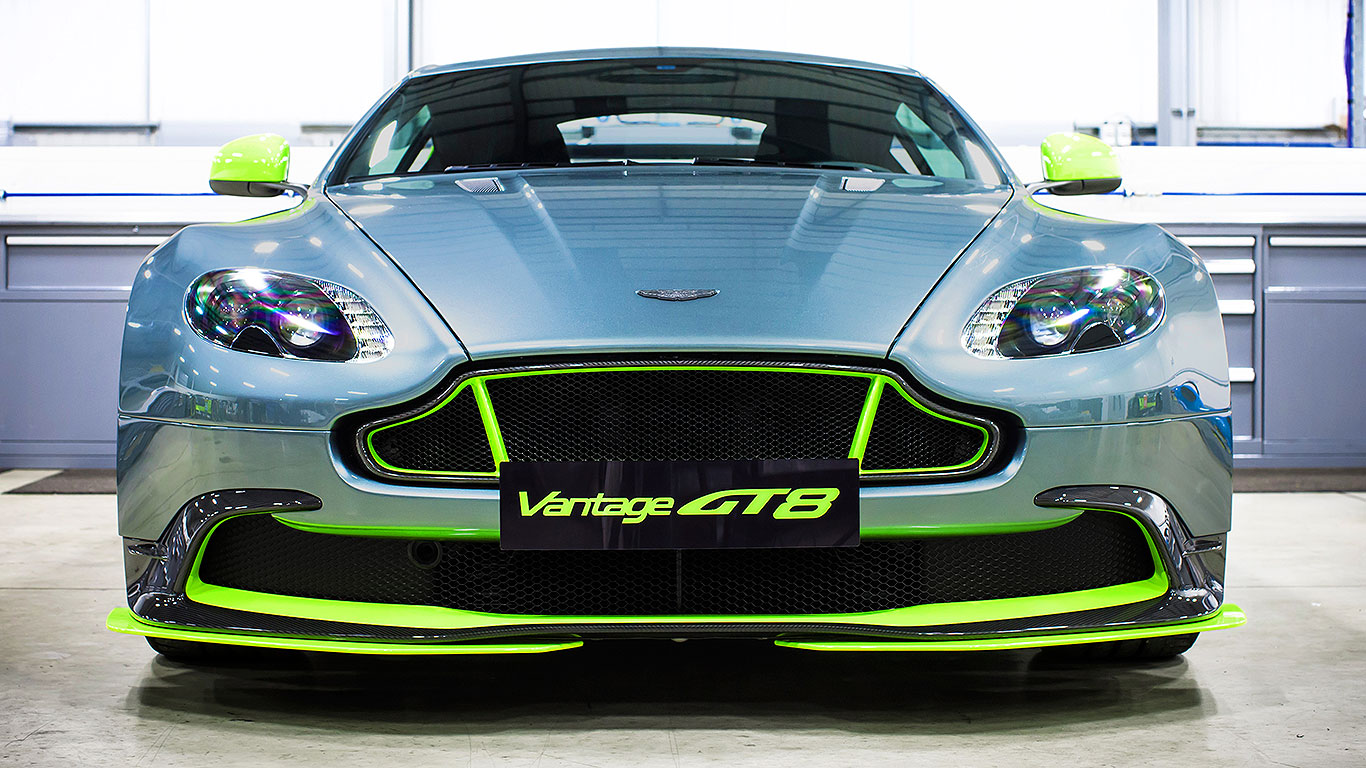 aston martin vantage gt8 aston 39 s racing car for the road motoring research. Black Bedroom Furniture Sets. Home Design Ideas