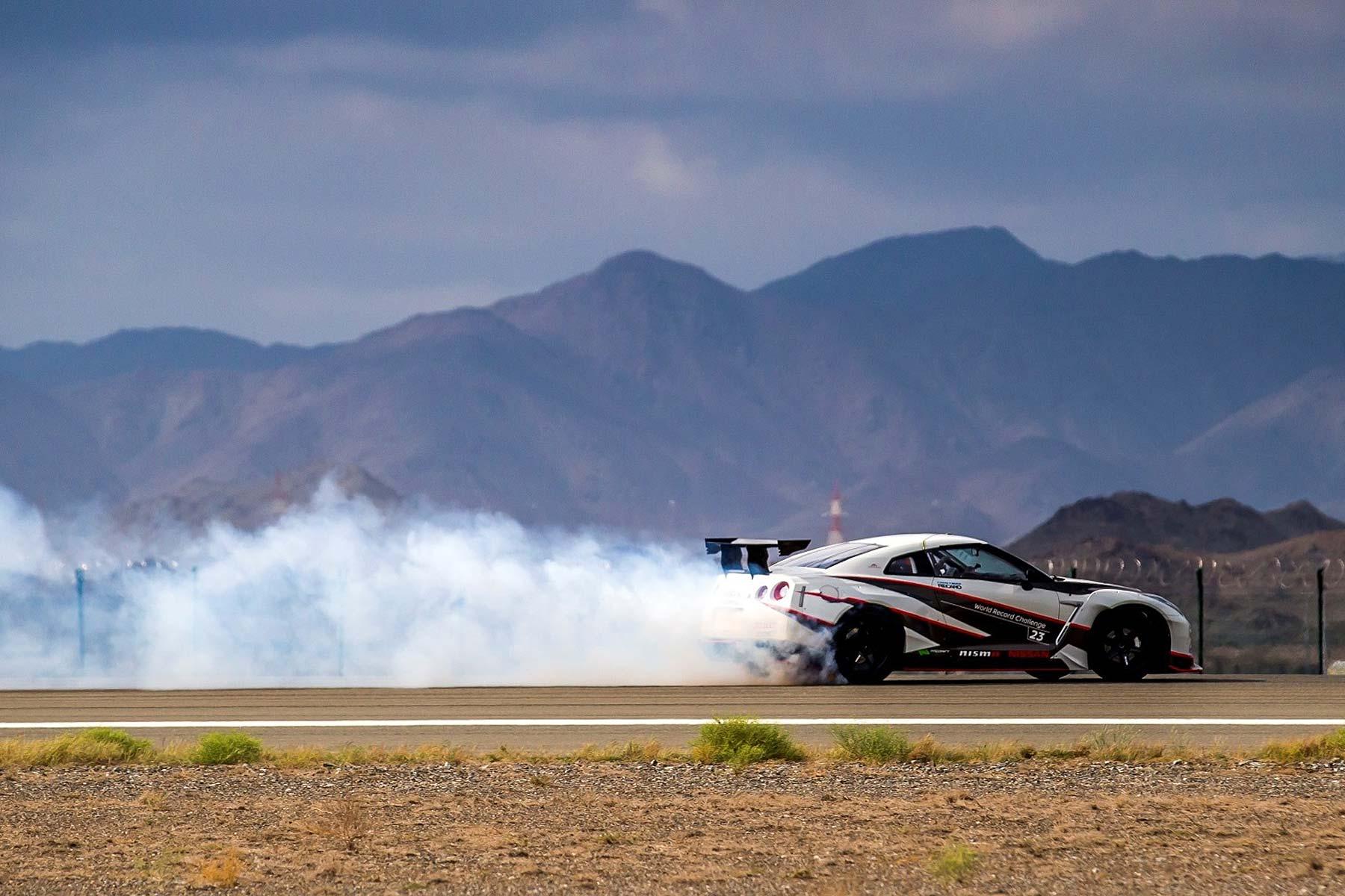Nissan GT-R NISMO drift