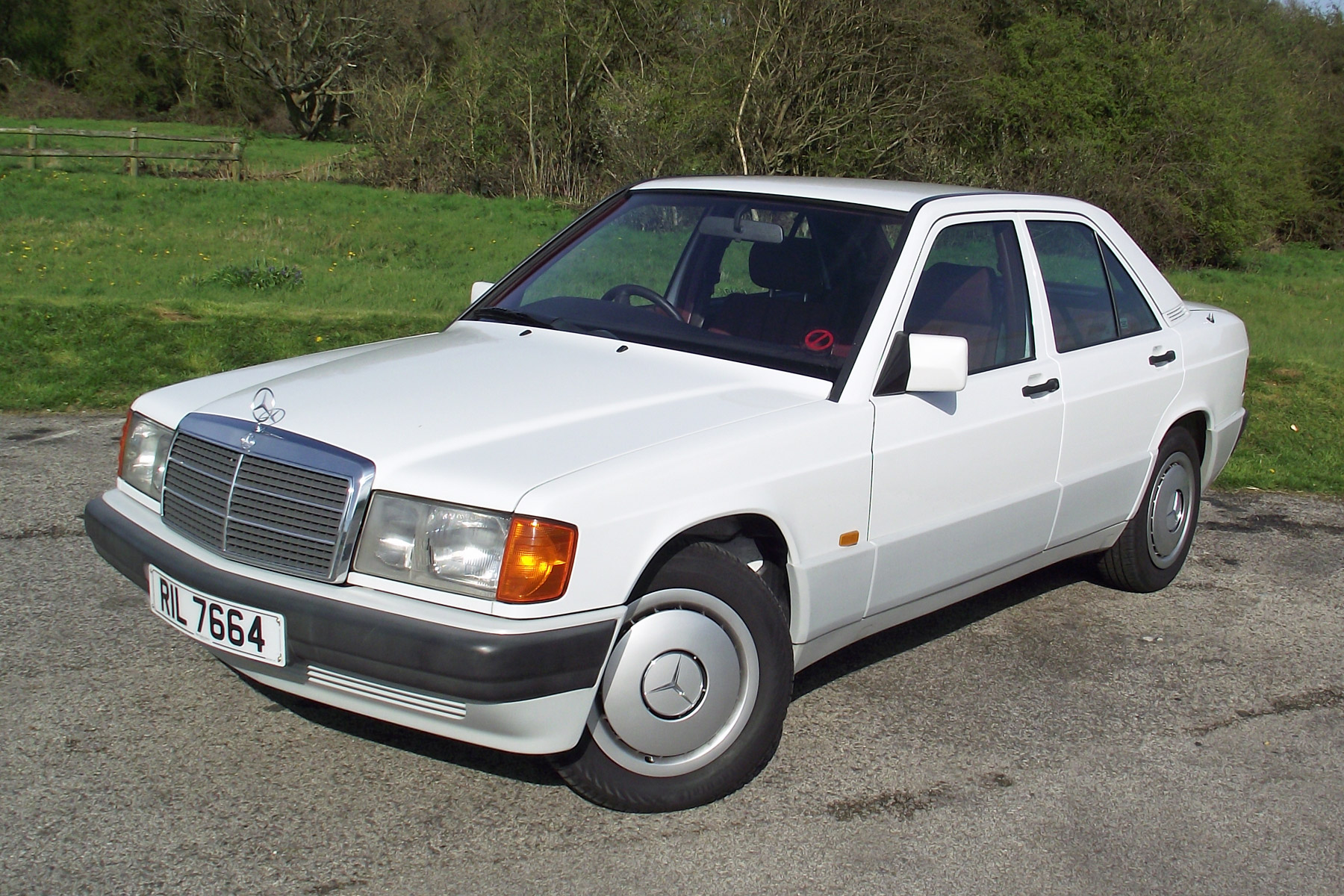 Mercedes-Benz 190E: Retro Road Test