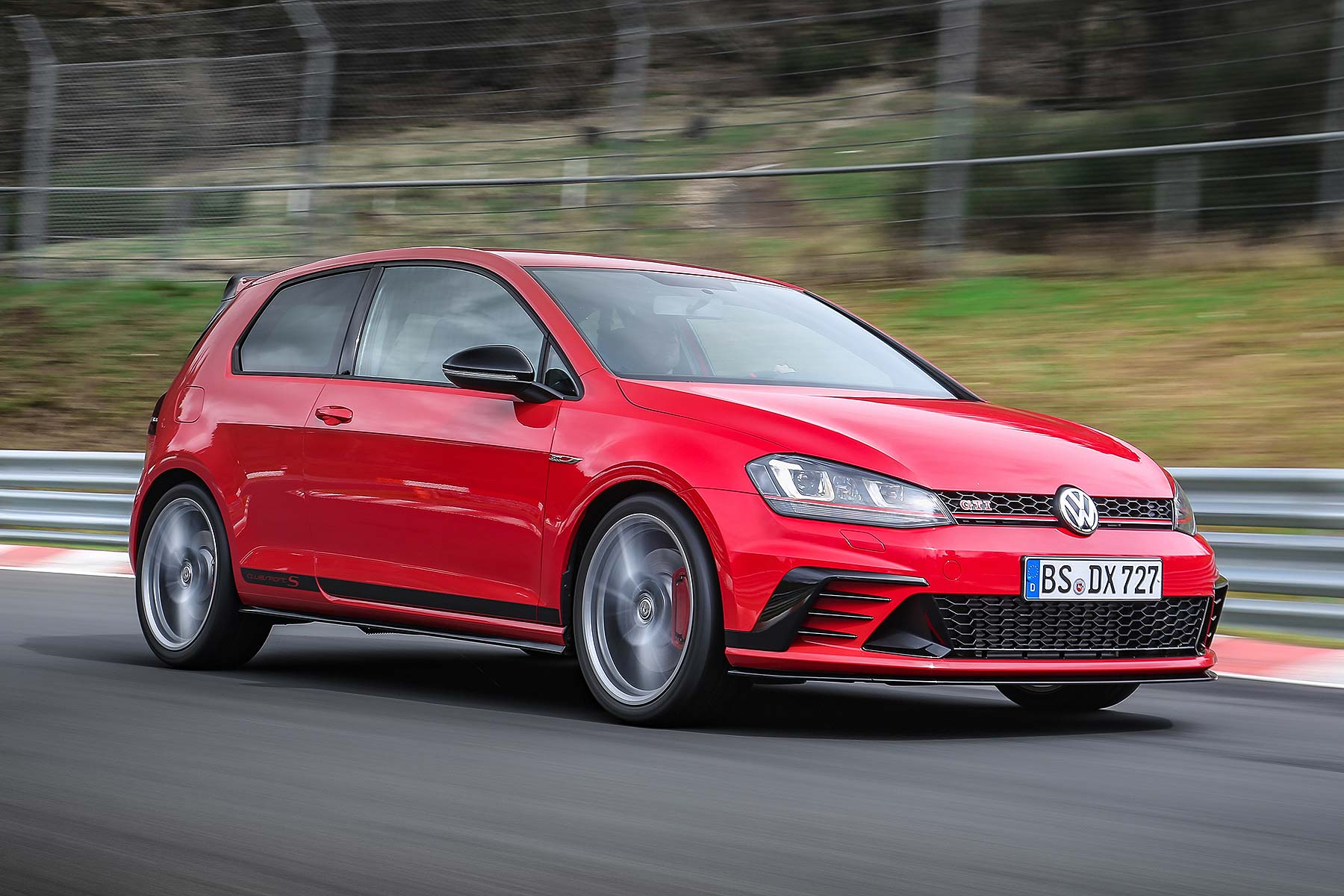 310hp volkswagen golf gti clubsport s is new king of the n rburgring motoring research. Black Bedroom Furniture Sets. Home Design Ideas