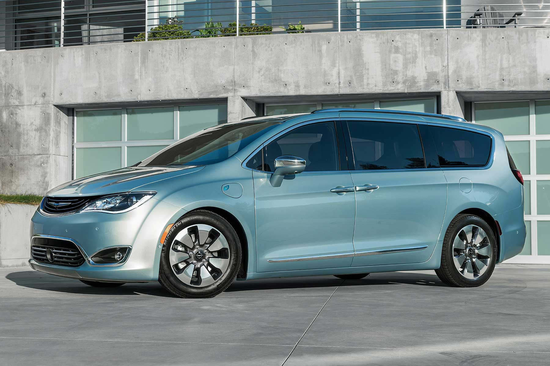 Google Car Self Driving Tech To Be Tested In Chrysler Pacifica Mpv