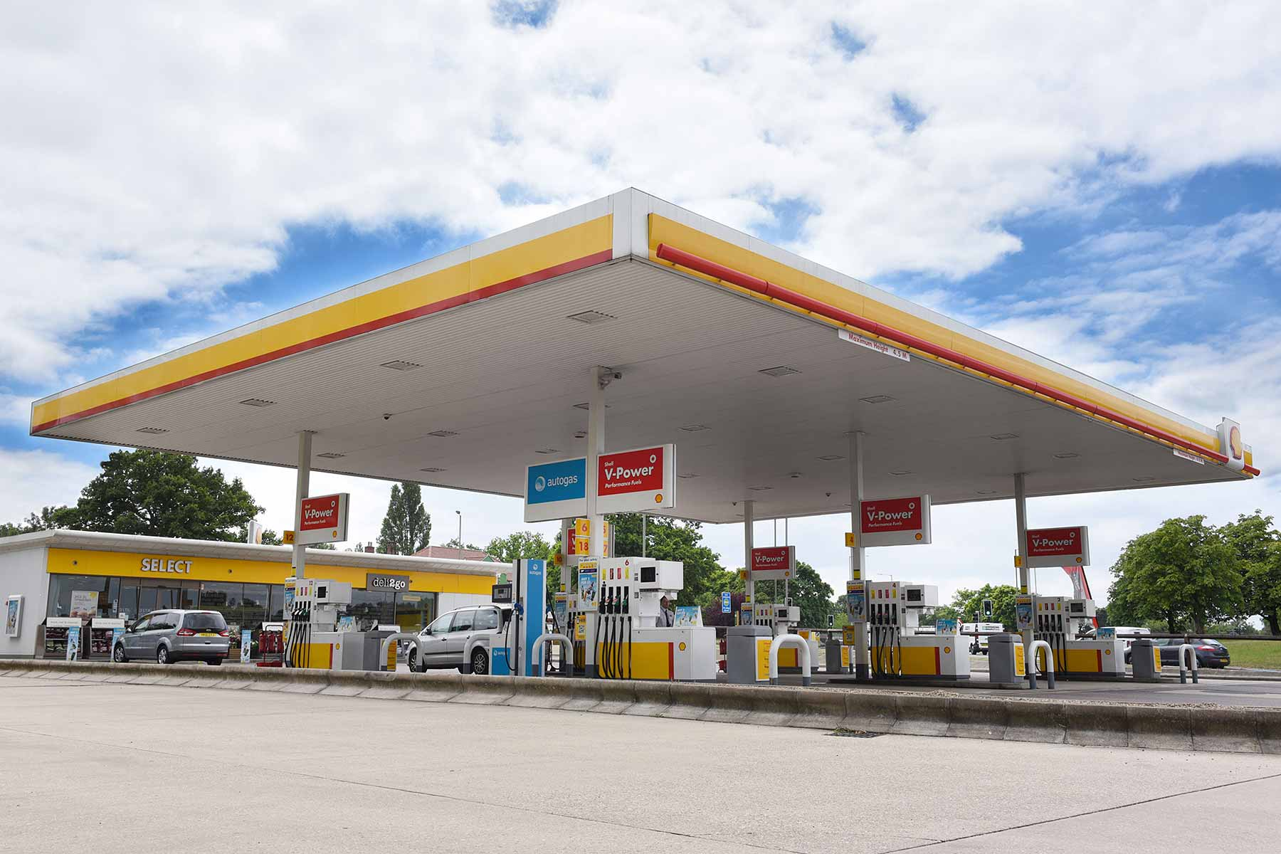 Shell filling station