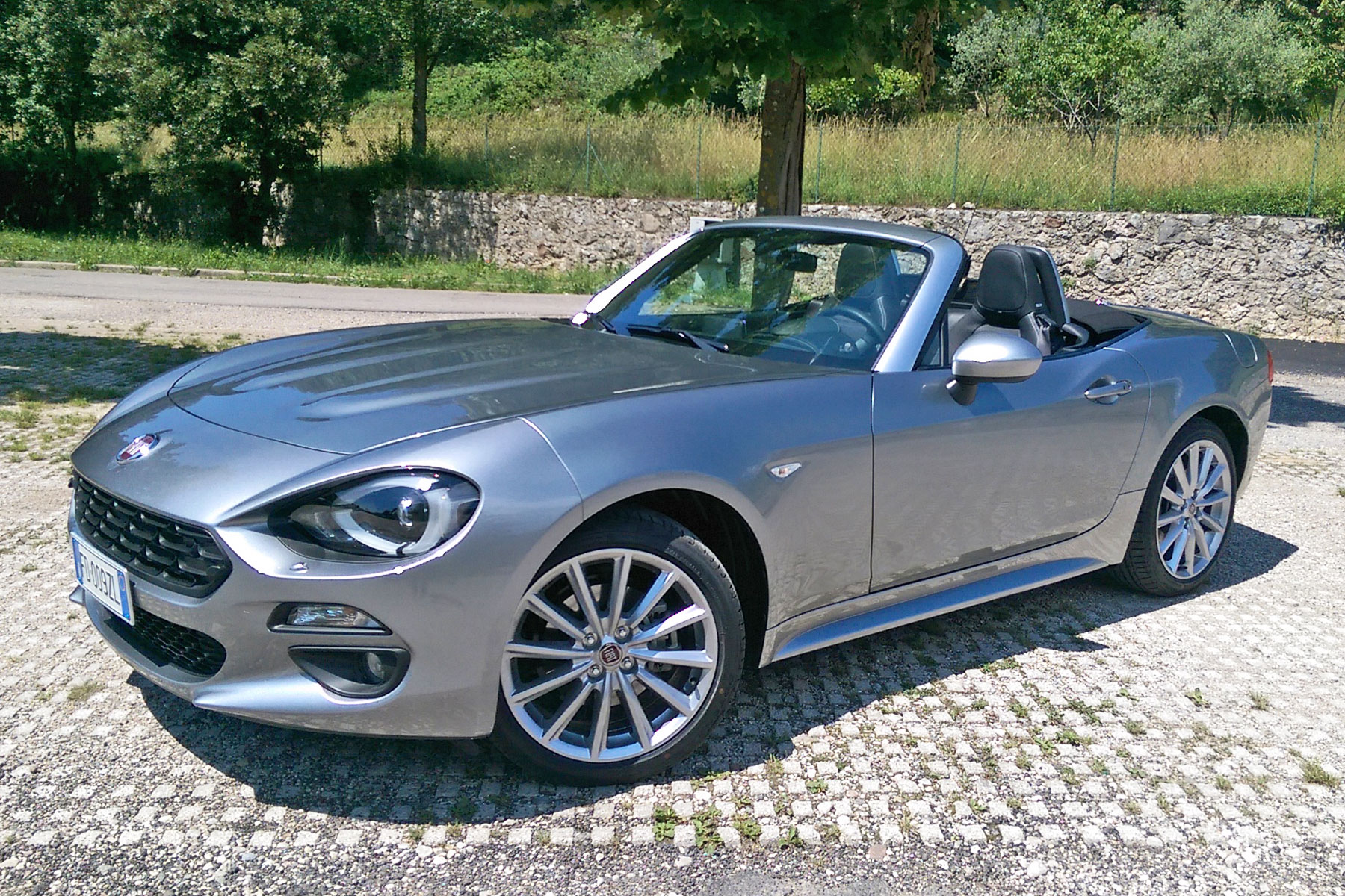 2016 Fiat 124 review: it's a more refined Mazda MX-5