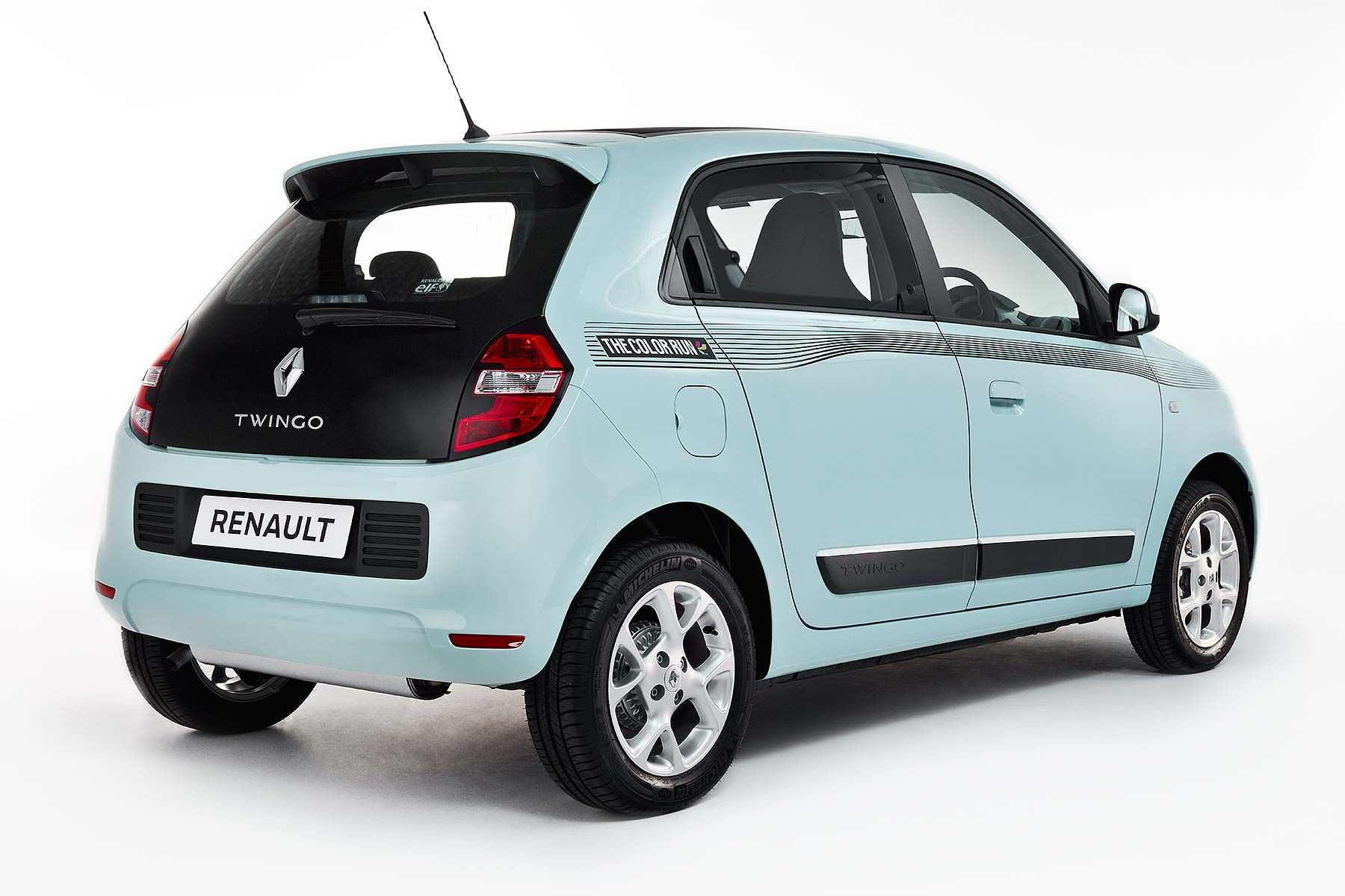 renault twingo colour run special gets covered in paint. Black Bedroom Furniture Sets. Home Design Ideas