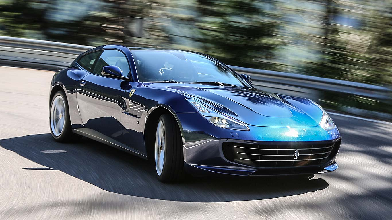 2016 ferrari gtc4lusso review the fastest four seater a. Black Bedroom Furniture Sets. Home Design Ideas