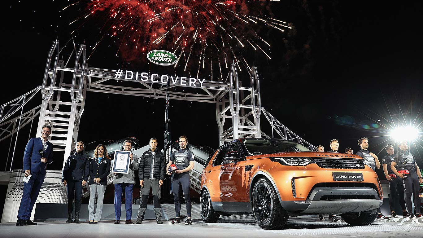 01_new_land_rover_discovery_2017