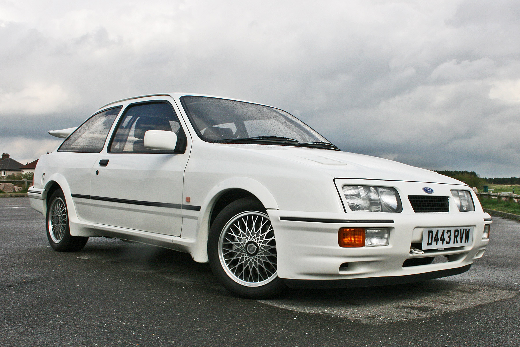 ford sierra rs cosworth retro road test motoring research. Black Bedroom Furniture Sets. Home Design Ideas