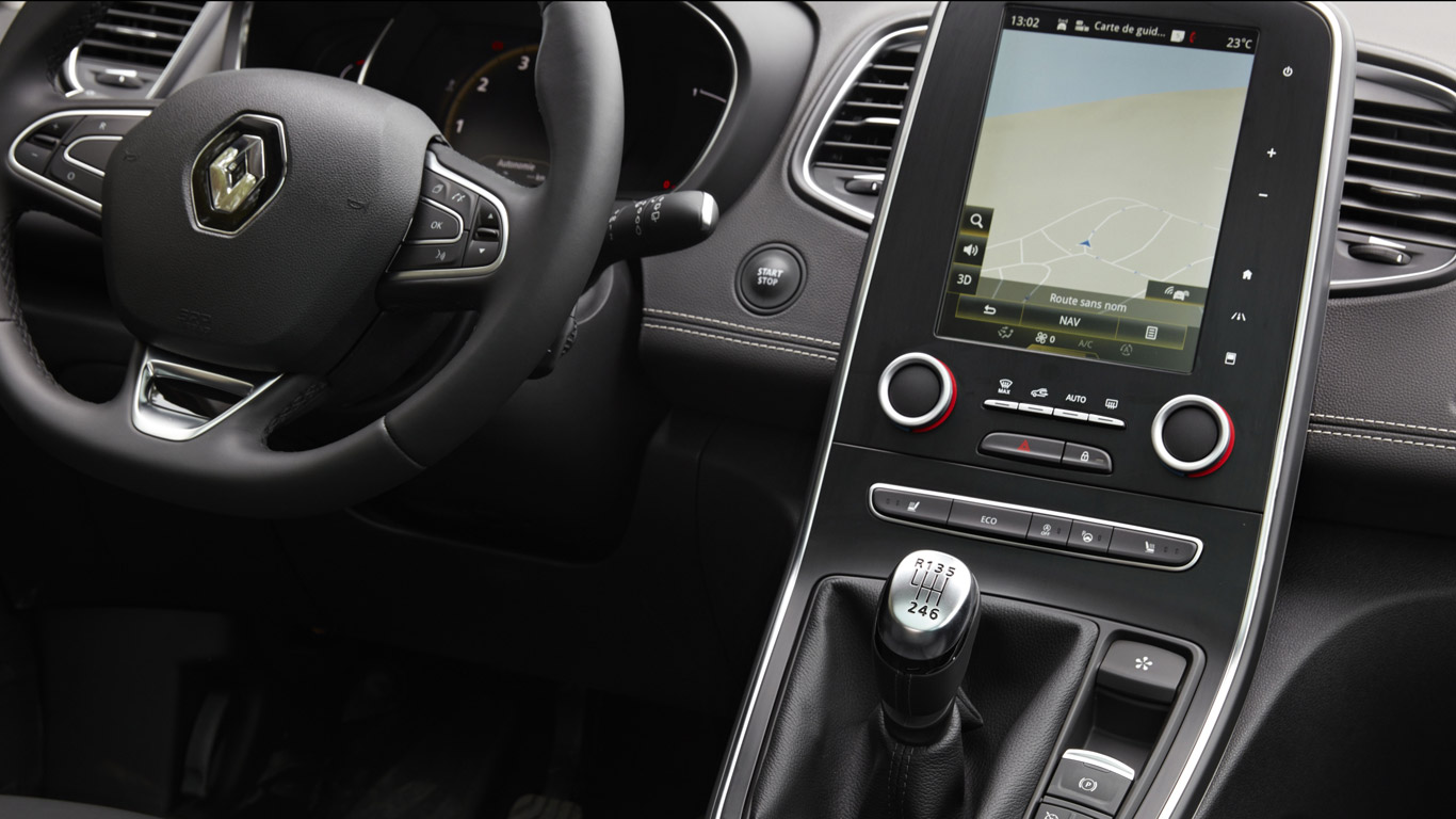 It's got a neat 8.7-inch infotainment screen