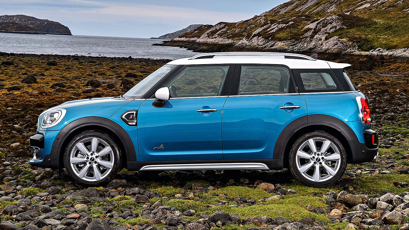 new 2017 mini countryman revealed everything you need to know motoring research. Black Bedroom Furniture Sets. Home Design Ideas