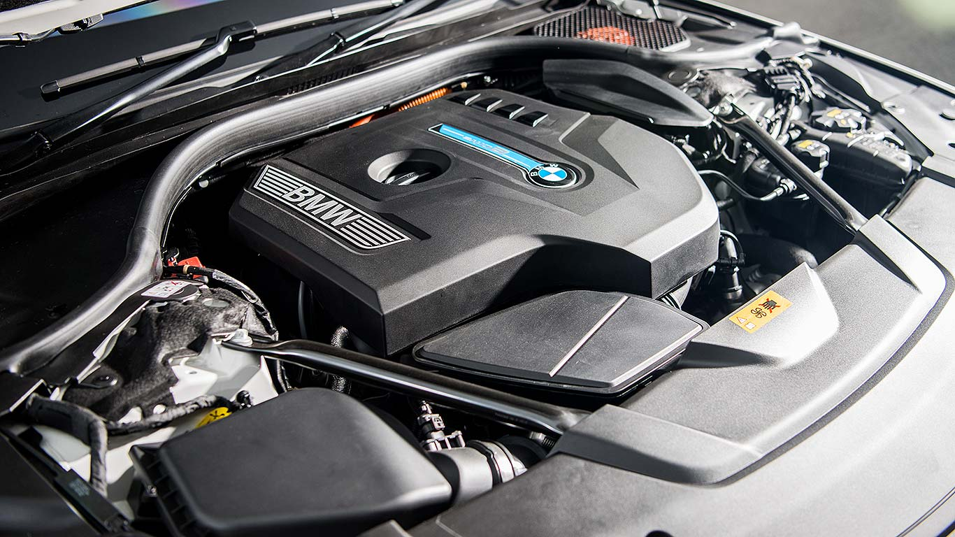 BMW 740Le xDrive M Sport (2016)