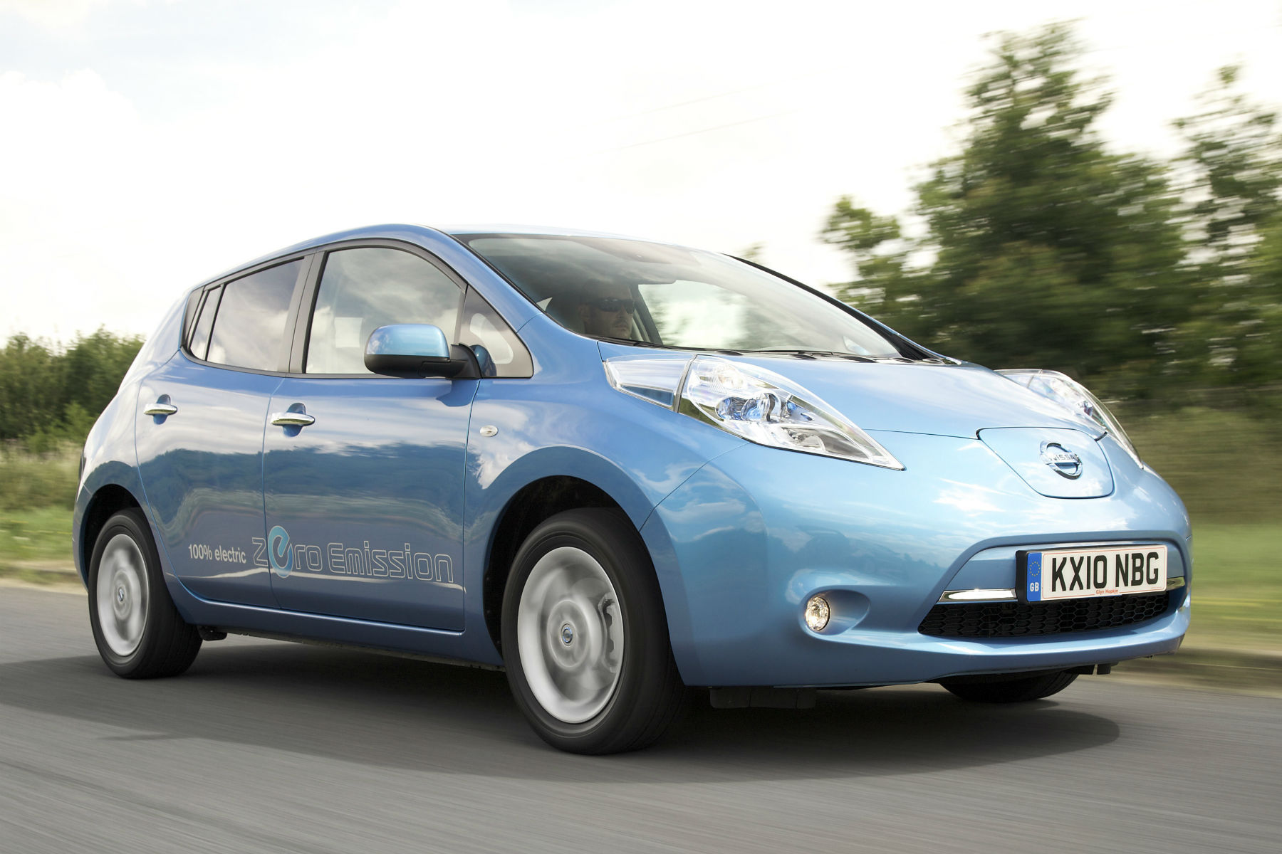 buy a used nissan leaf for 175 a month with a tiny deposit