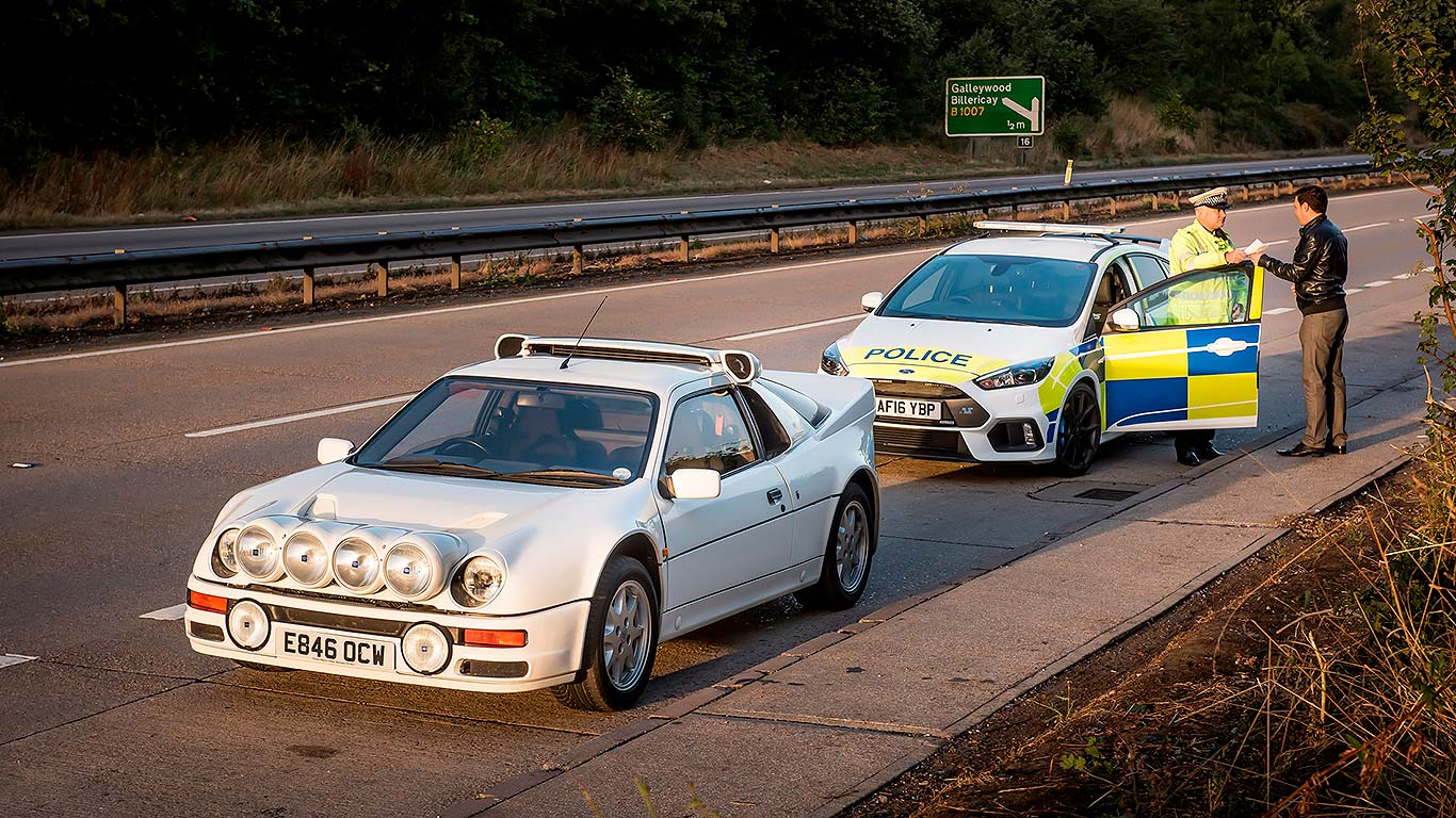 Ford recreates history with police car stunt | Motoring Research