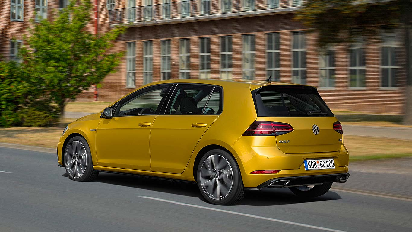 2017 volkswagen golf facelift everything you need to know. Black Bedroom Furniture Sets. Home Design Ideas