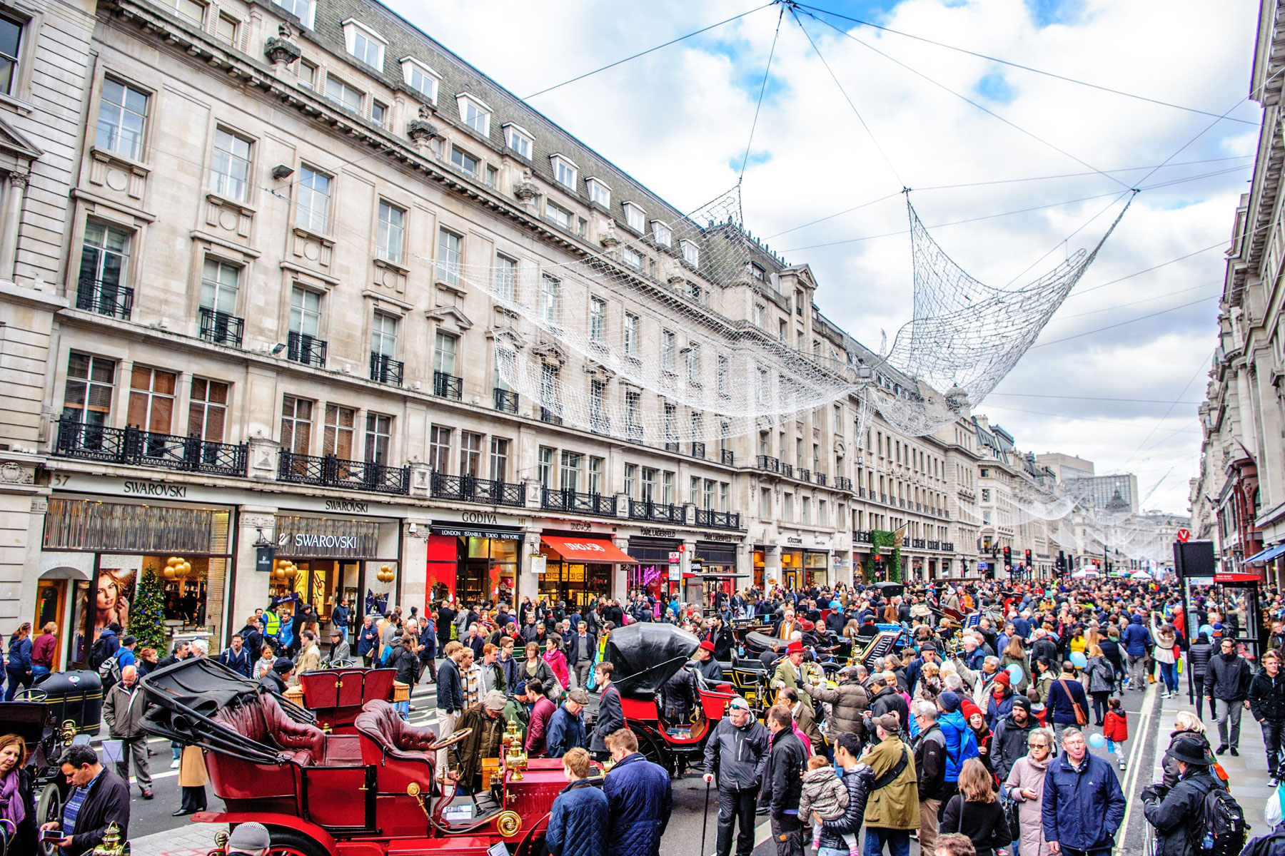 regent-street-crowds