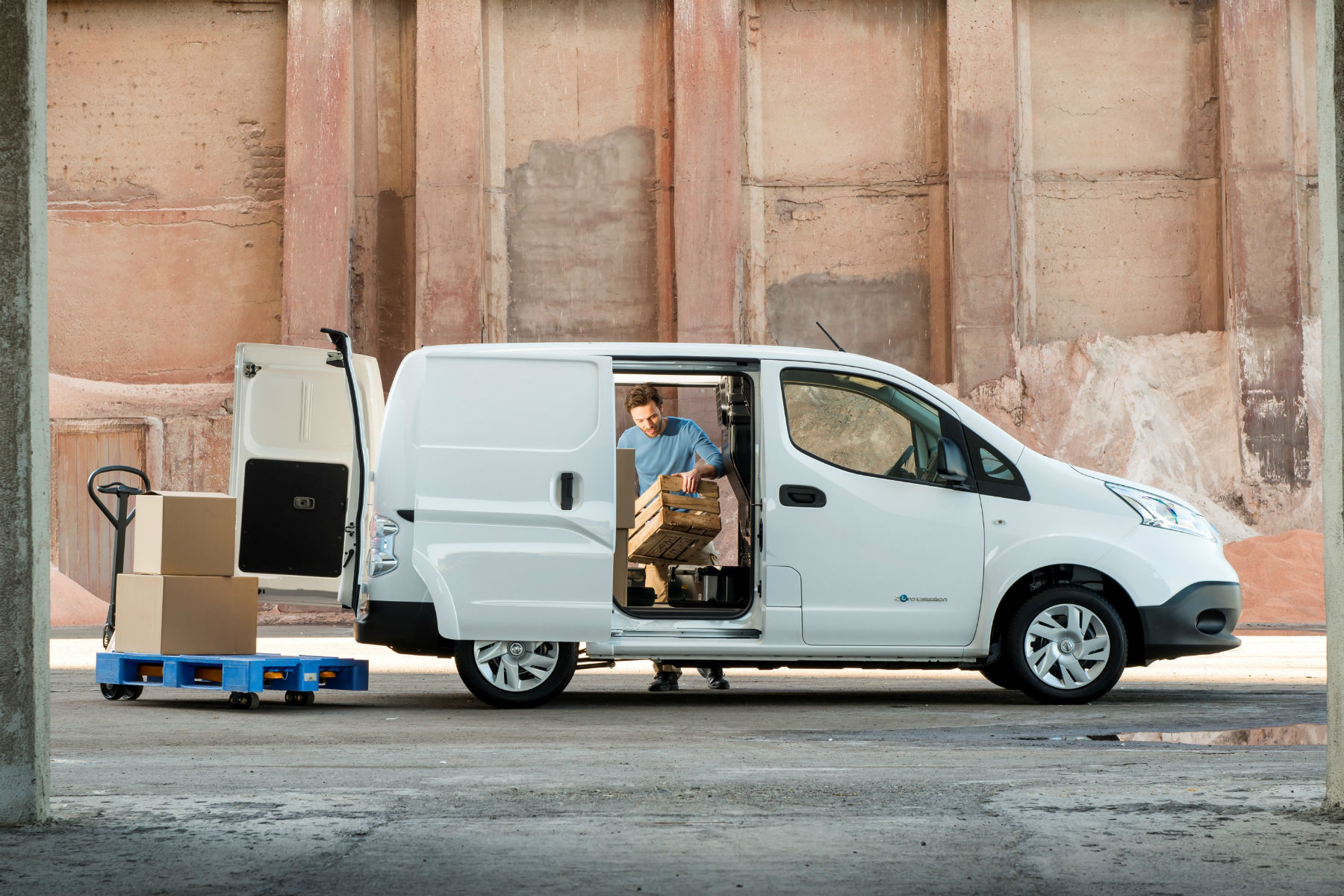 Electric van range HALVES when fully-loaded