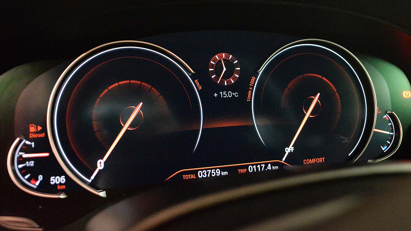 Digital vs standard gauge cluster