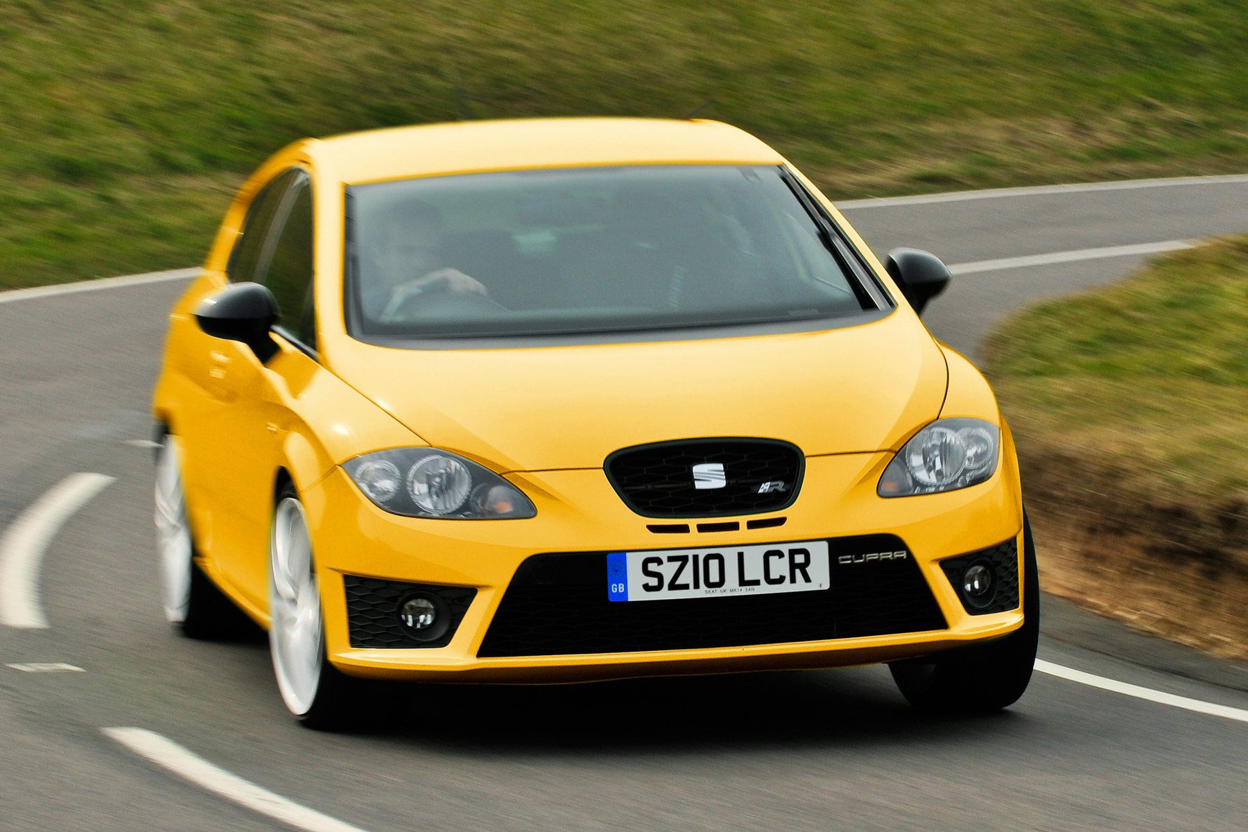 seat leon cupra r review retro road test motoring research. Black Bedroom Furniture Sets. Home Design Ideas