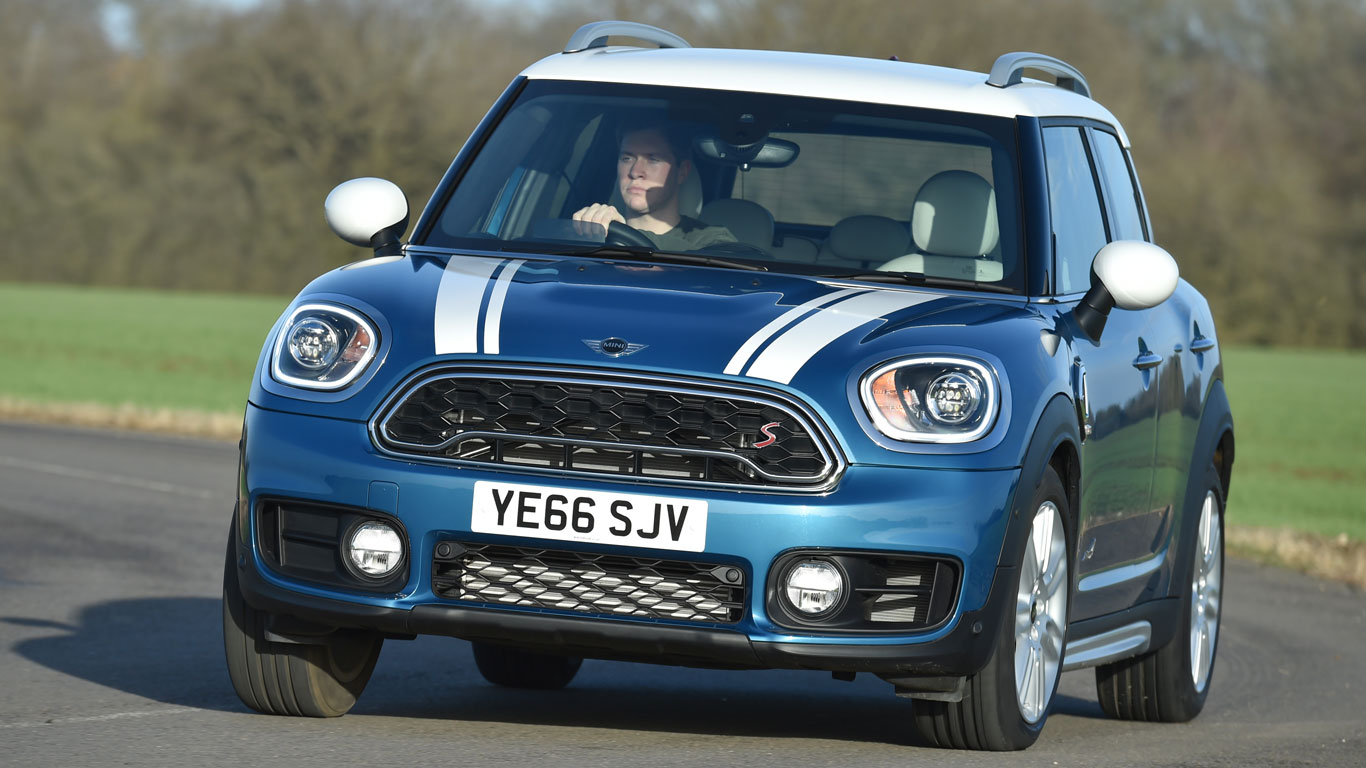 2017 mini countryman review we drive the biggest mini yet. Black Bedroom Furniture Sets. Home Design Ideas