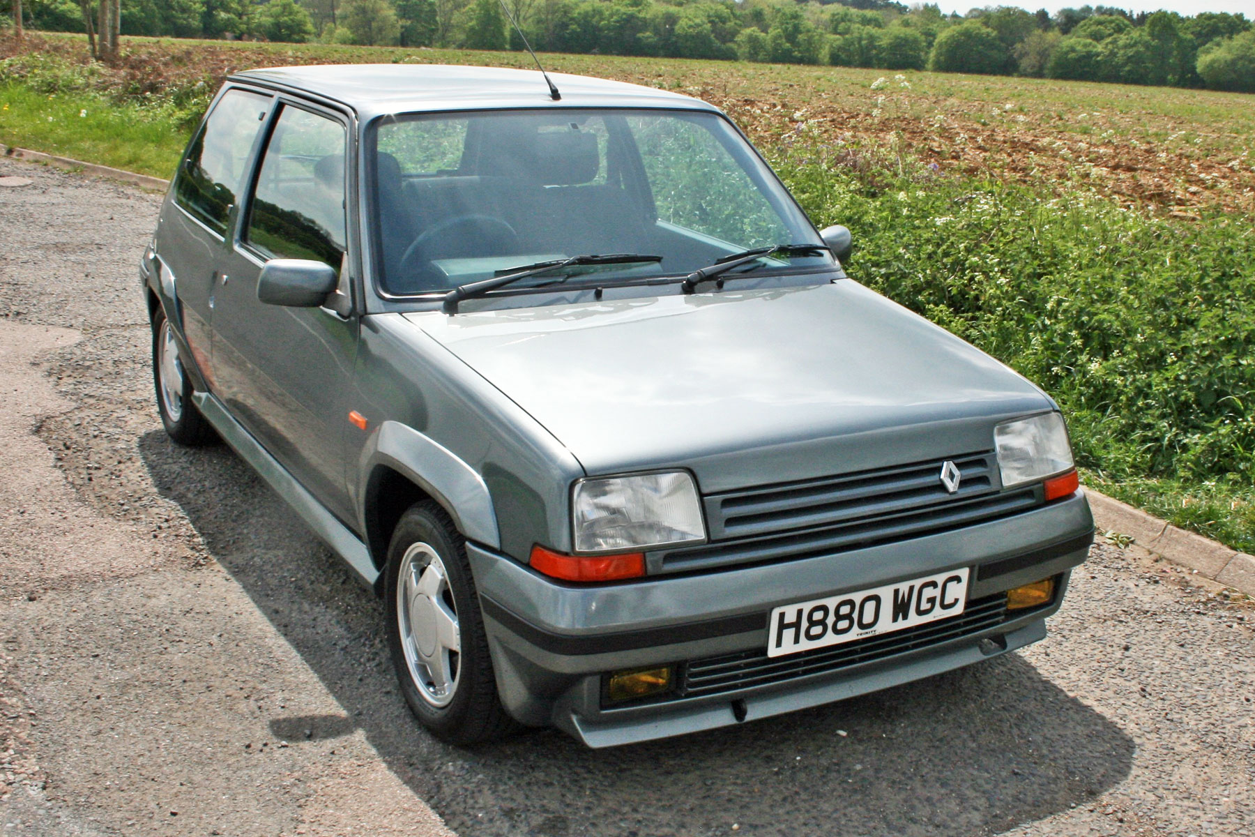 renault 5 gt turbo review retro road test motoring research. Black Bedroom Furniture Sets. Home Design Ideas