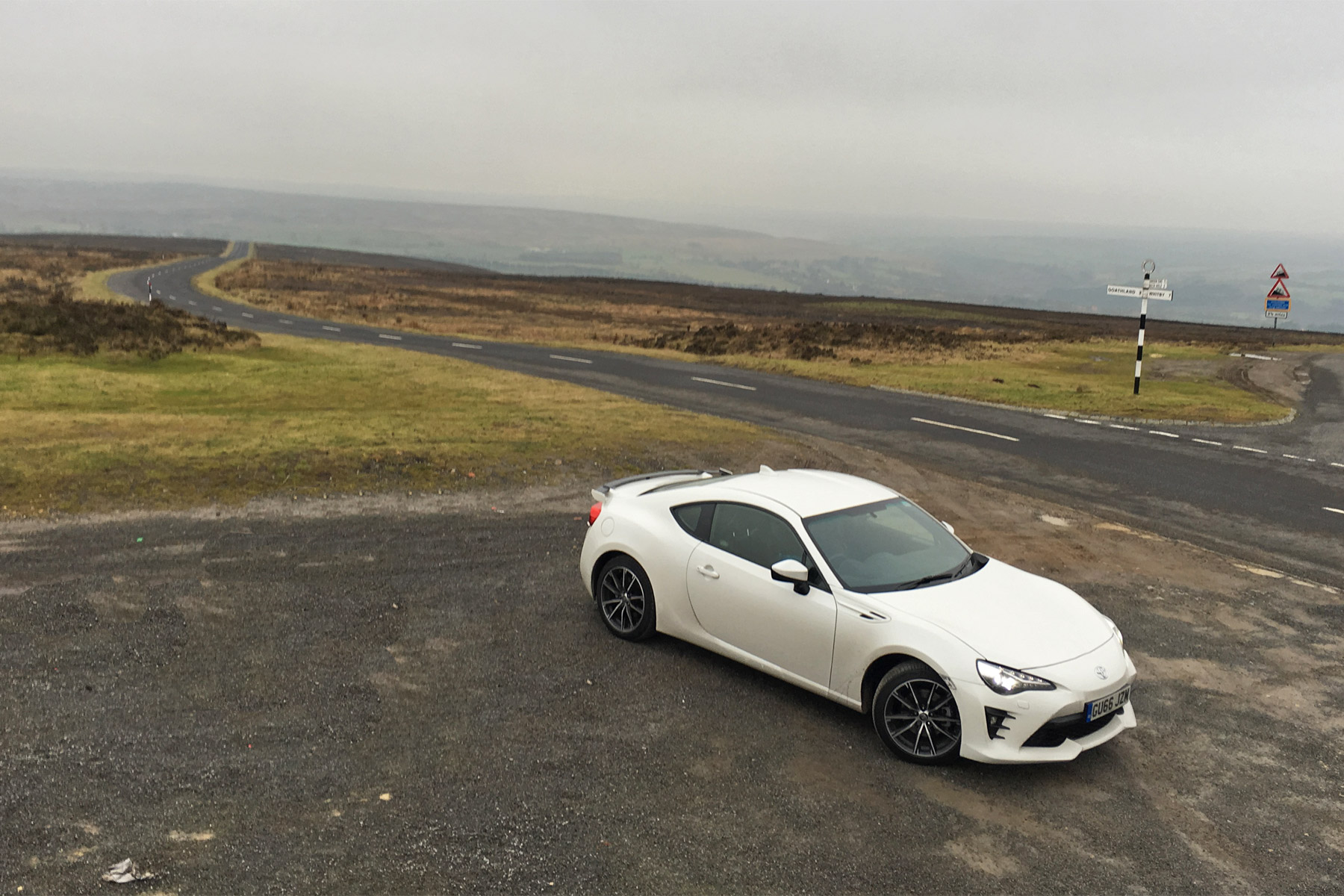 we took the toyota gt86 on a road trip to find out why no. Black Bedroom Furniture Sets. Home Design Ideas