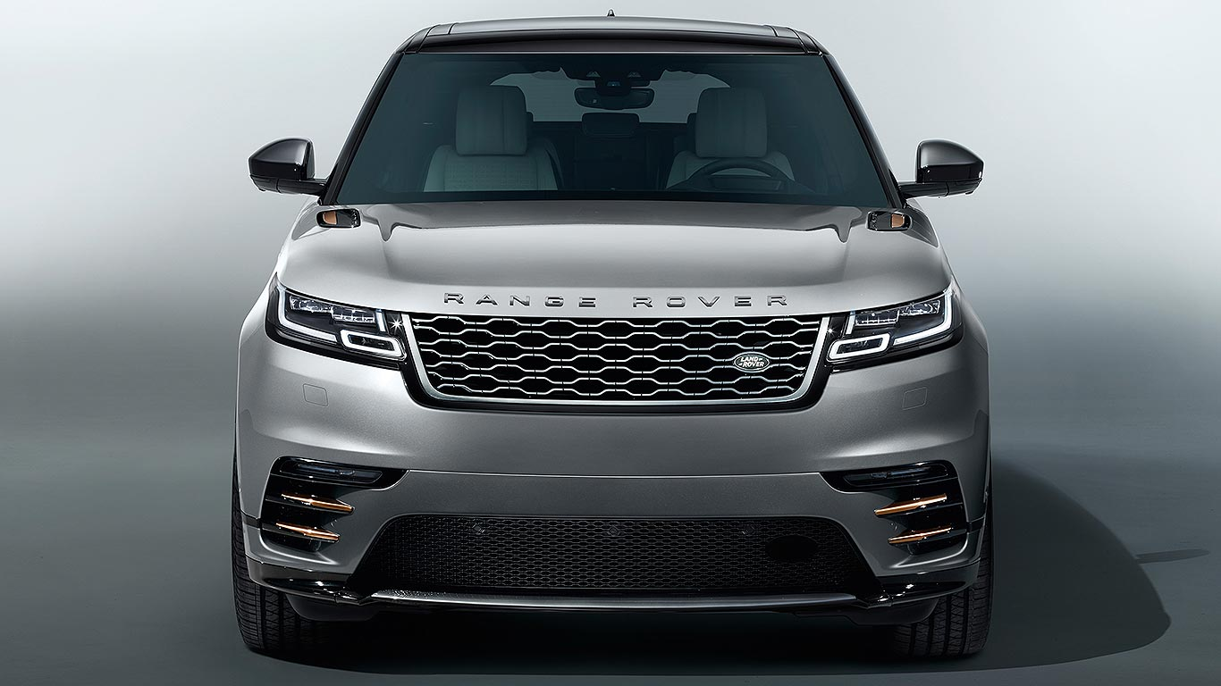range rover velar revealed sexy new rangie for the city. Black Bedroom Furniture Sets. Home Design Ideas