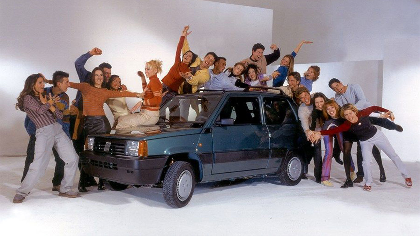 20 embarrassing car publicity photos