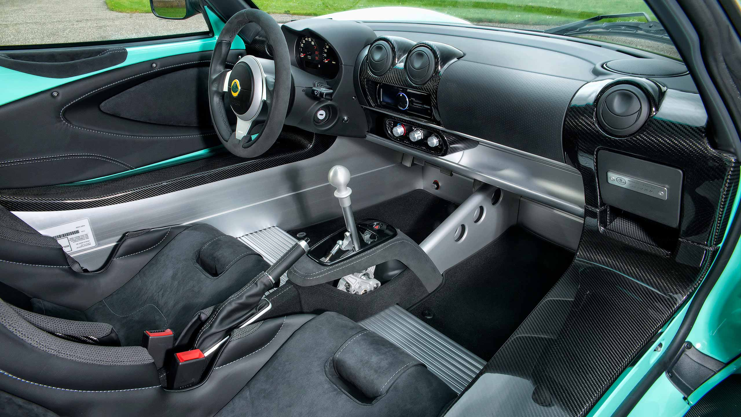 Every new lotus elise cup 250 customer can personalise their vehicle through the lotus exclusive programme developed by the lotus design team