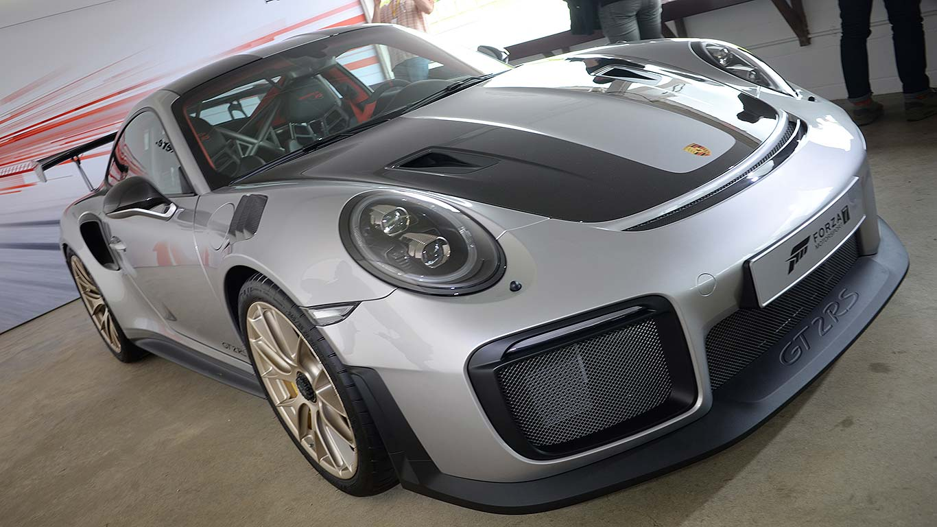 Porsche 911 GT2 RS is the most powerful 911 ever ...