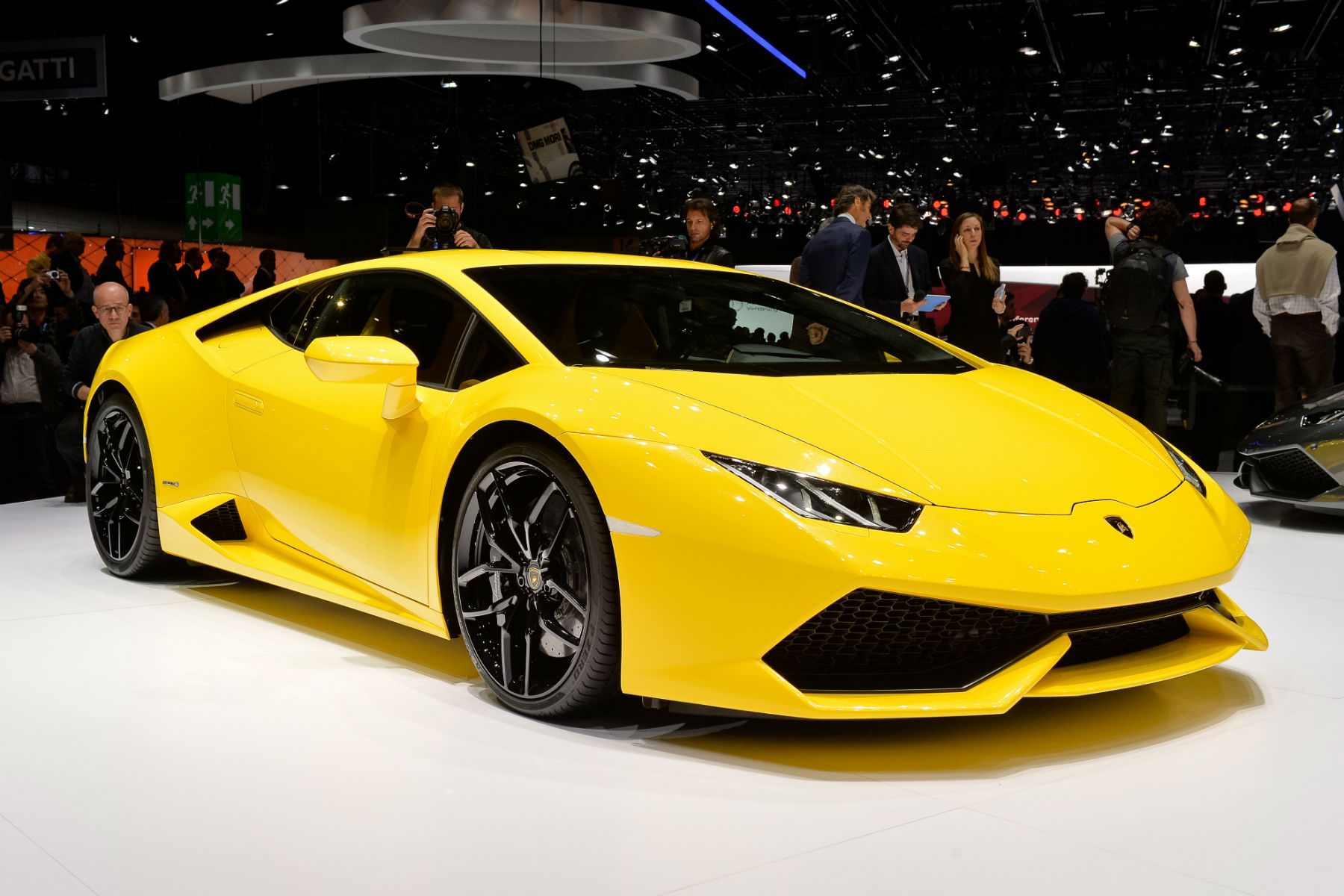 A Lamborghini Huracan has been given a taxi licence