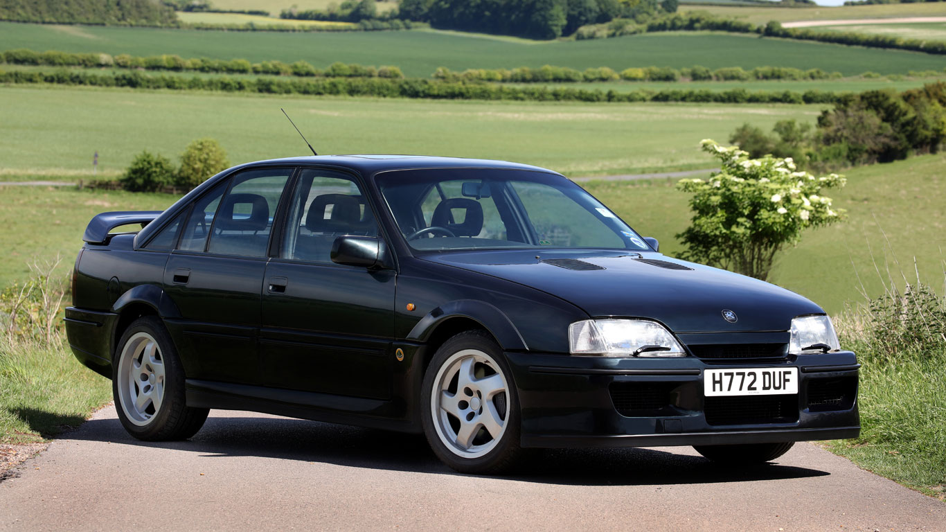 Sierra Cosworth vs. Lotus Carlton