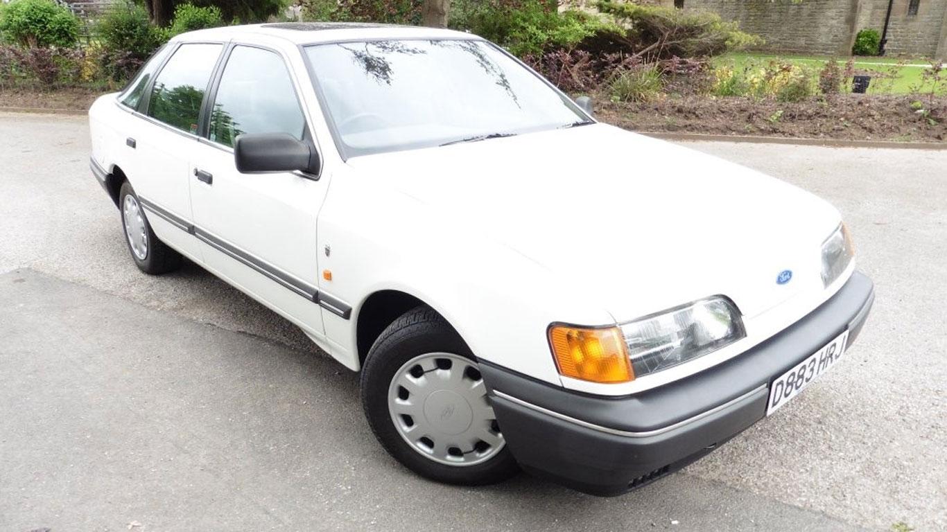 Ford Granada 2.8i Ghia: £10,995