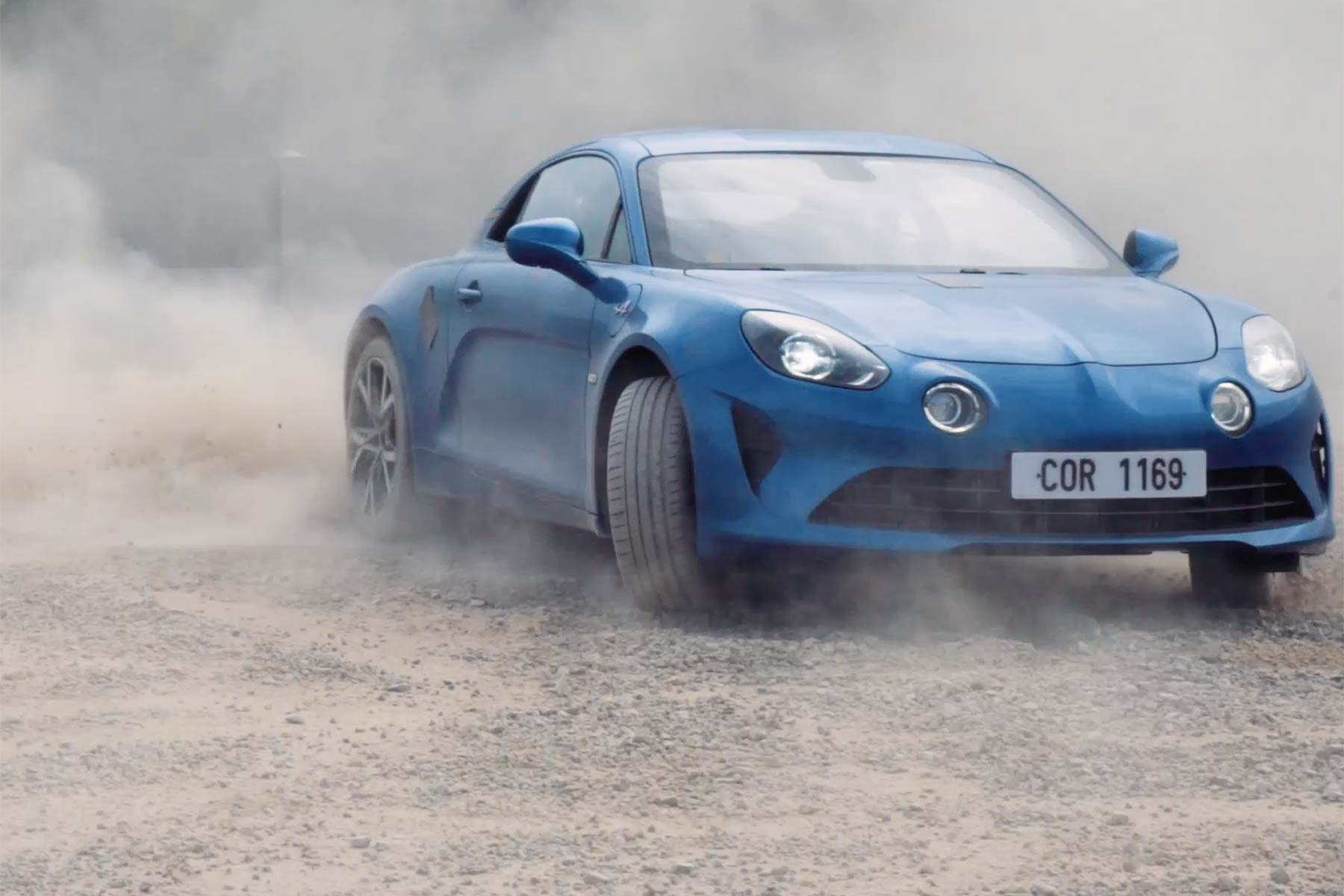 alpine a110 torture test on gravel motoring research. Black Bedroom Furniture Sets. Home Design Ideas