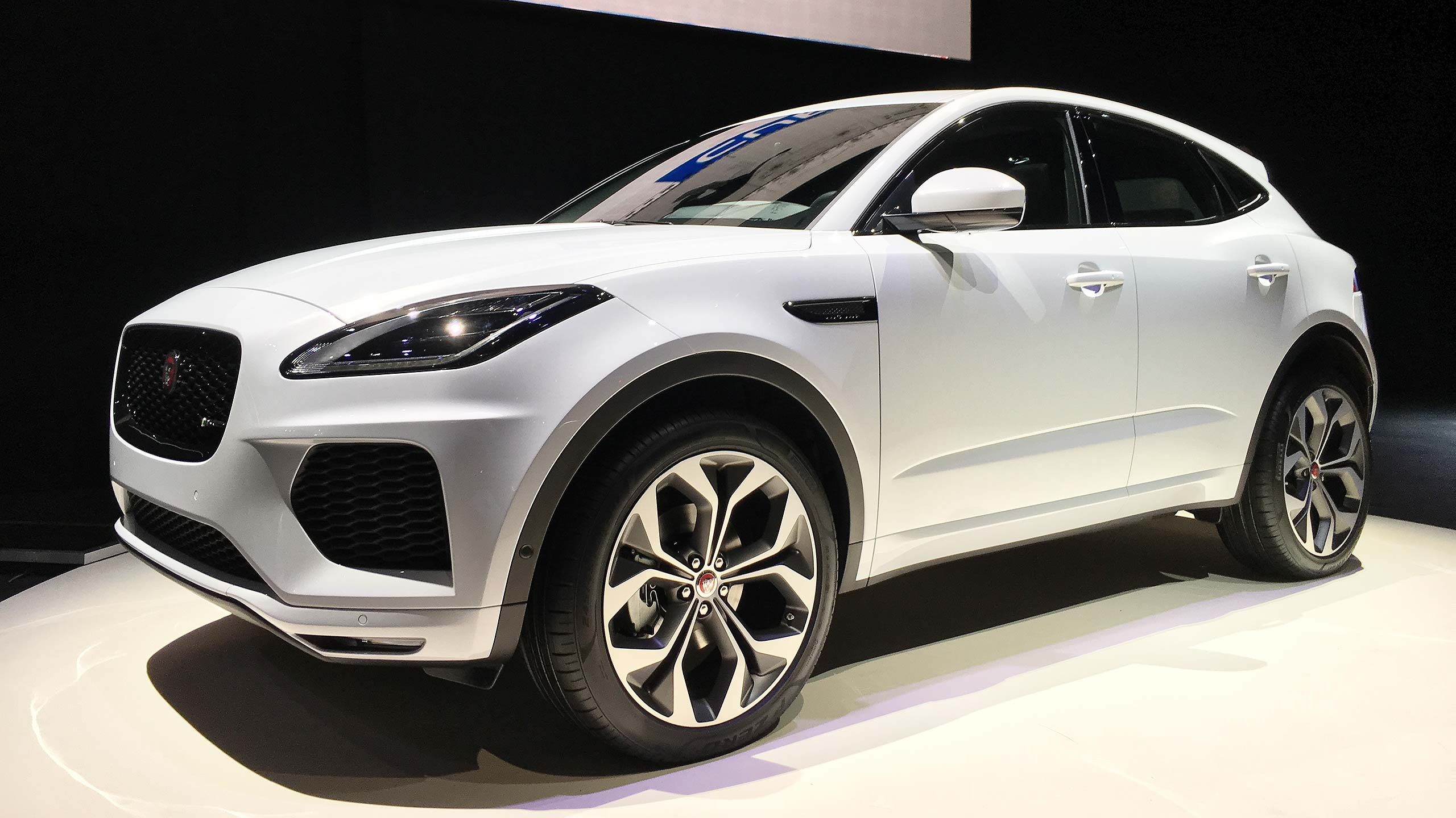jaguar e pace the amazing new 28 500 baby jag suv motoring research. Black Bedroom Furniture Sets. Home Design Ideas