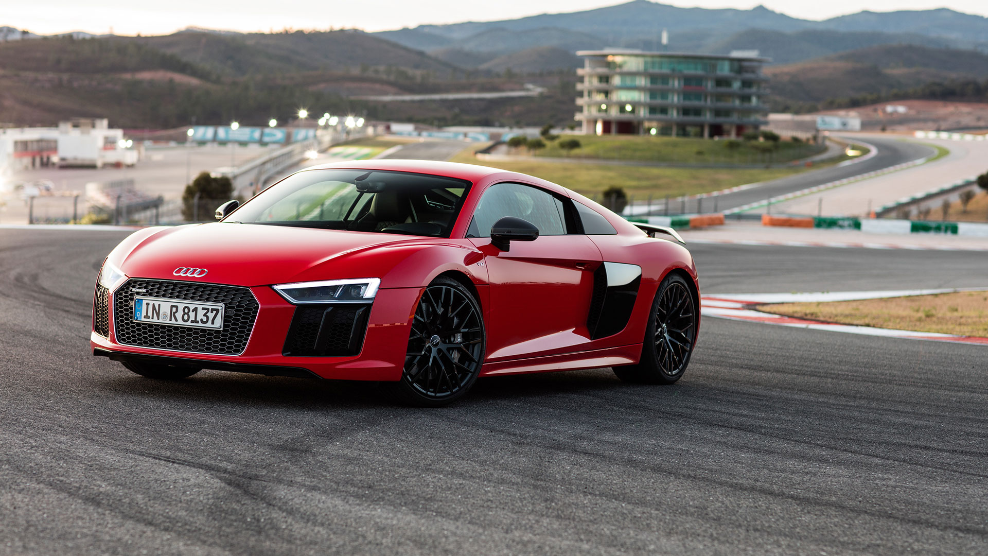 Audi R8: 3.5 seconds